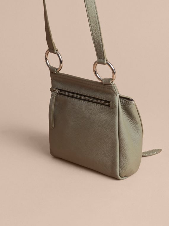Borsa a tracolla The Bridle in pelle di cervo (Verde Ardesia) - Donna | Burberry - cell image 3
