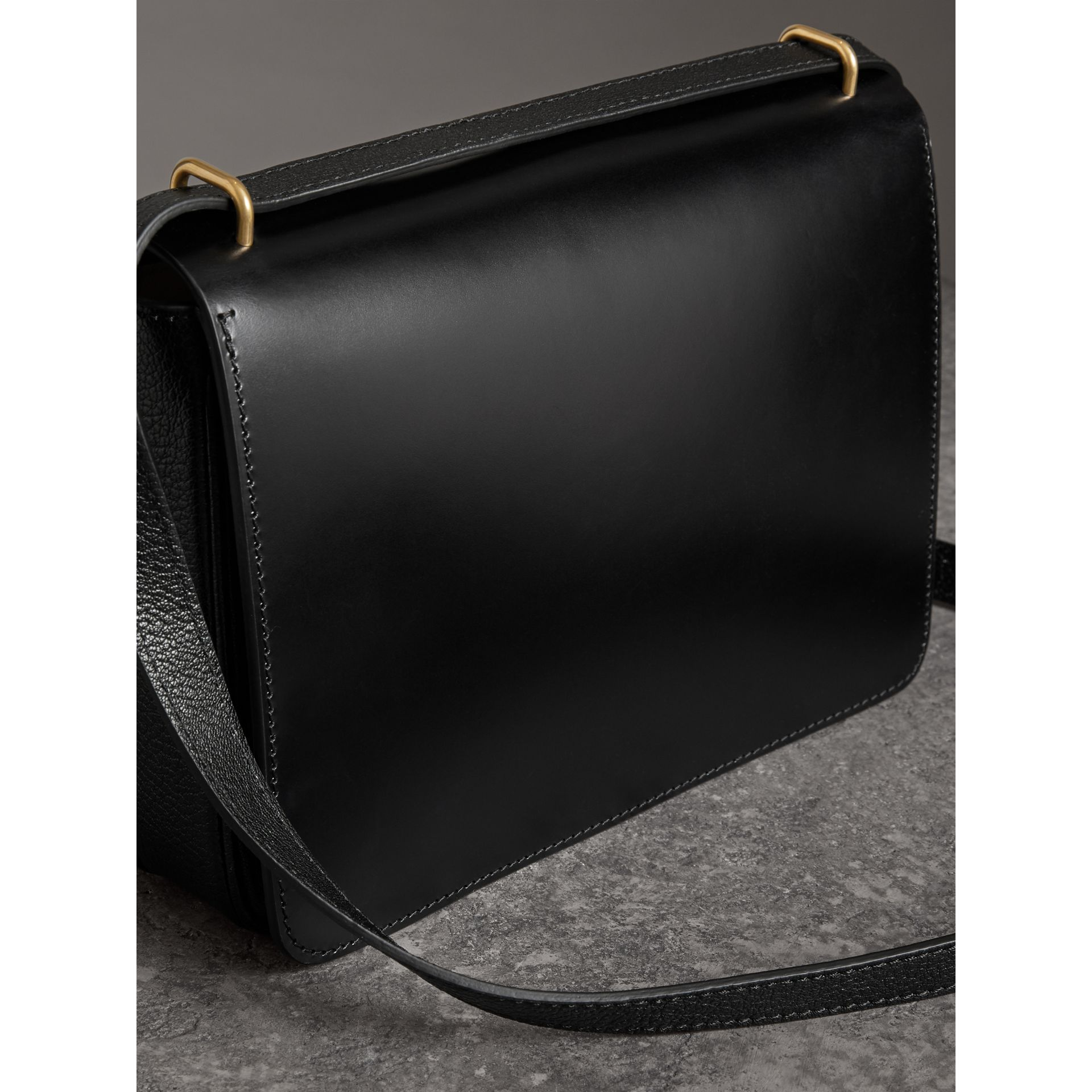 The Medium Leather D-ring Bag in Black - Women | Burberry United States - gallery image 4