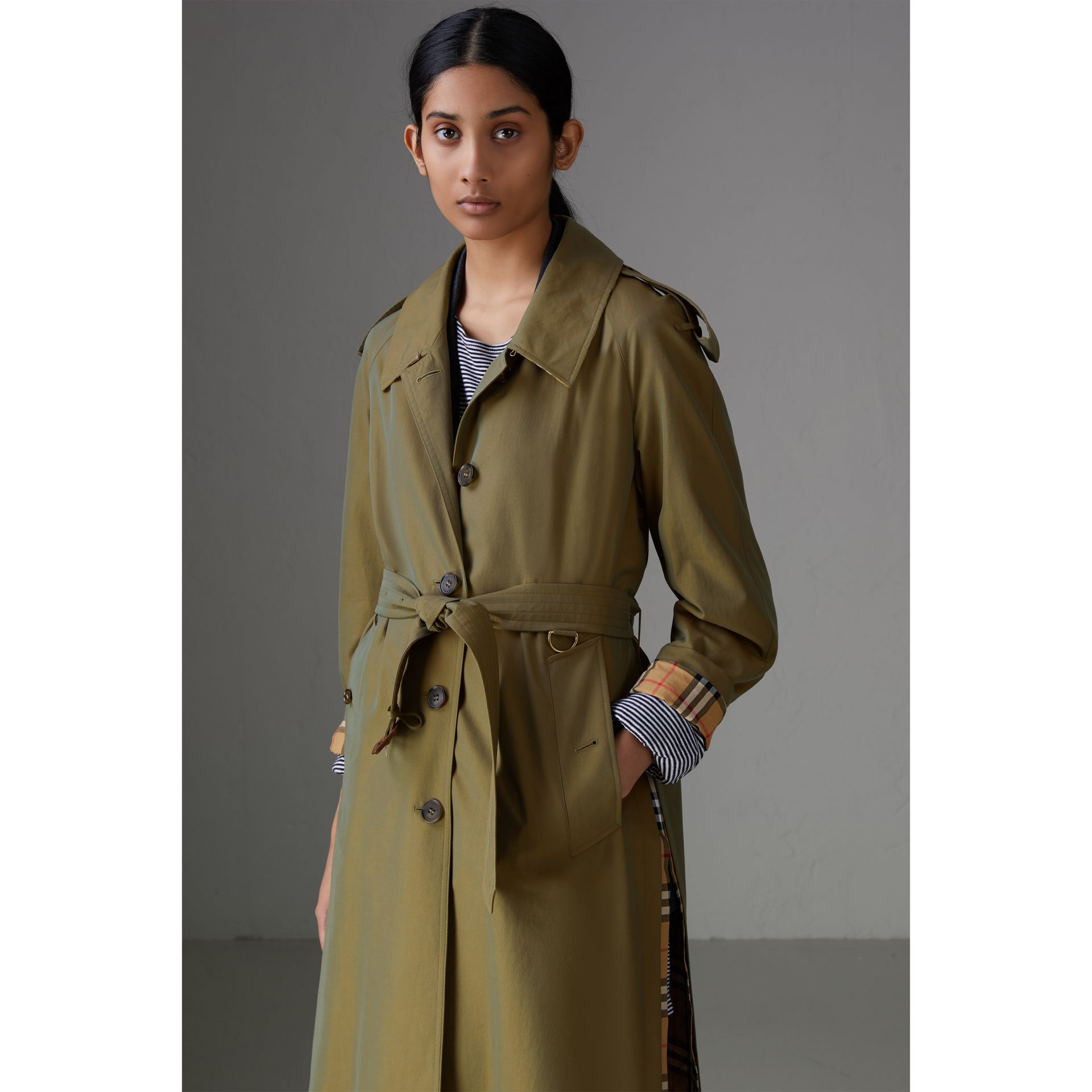 Side-slit Tropical Gabardine Trench Coat in Bright Olive - Women | Burberry Australia - gallery image 4
