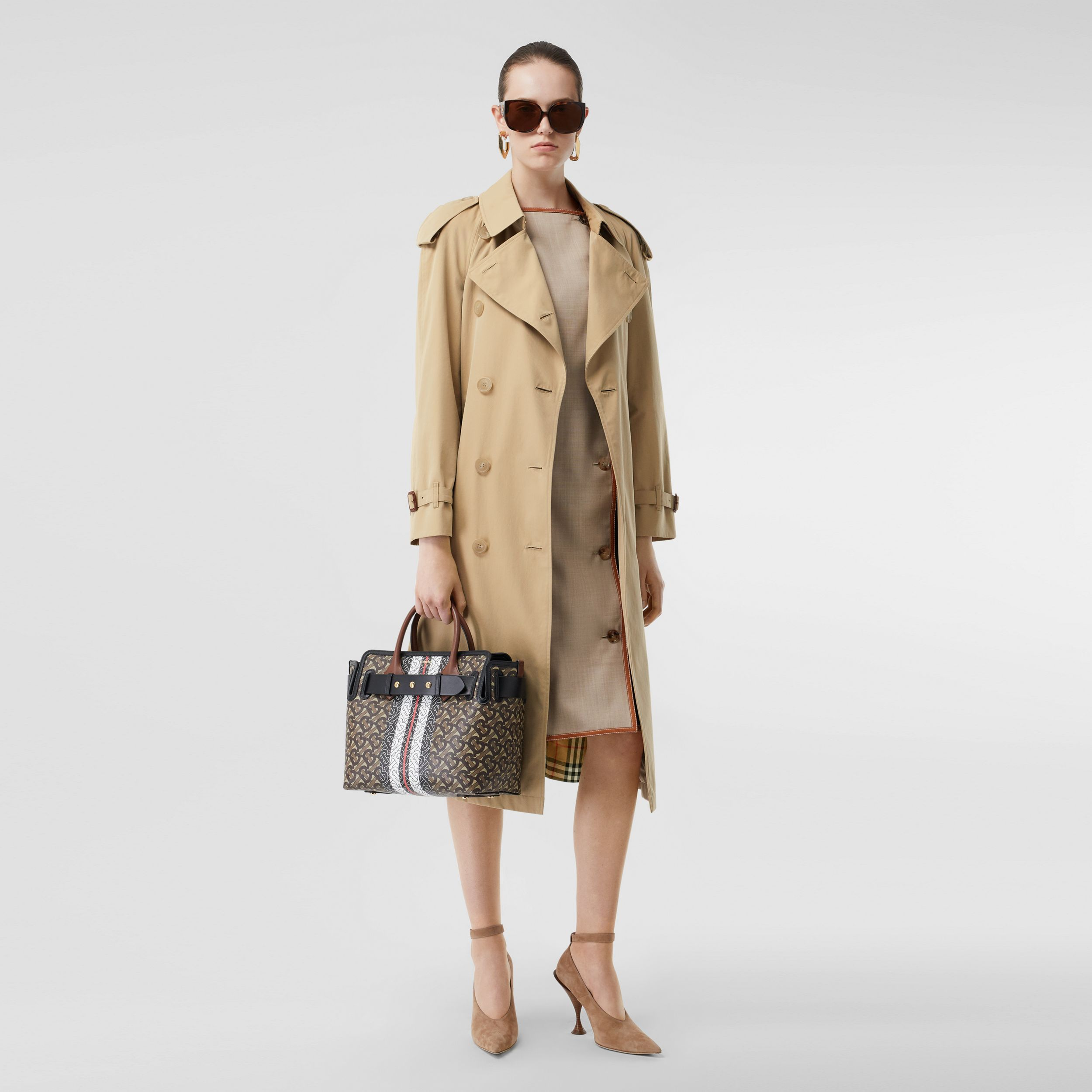 The Long Westminster Heritage Trench Coat in Honey - Women | Burberry - 3