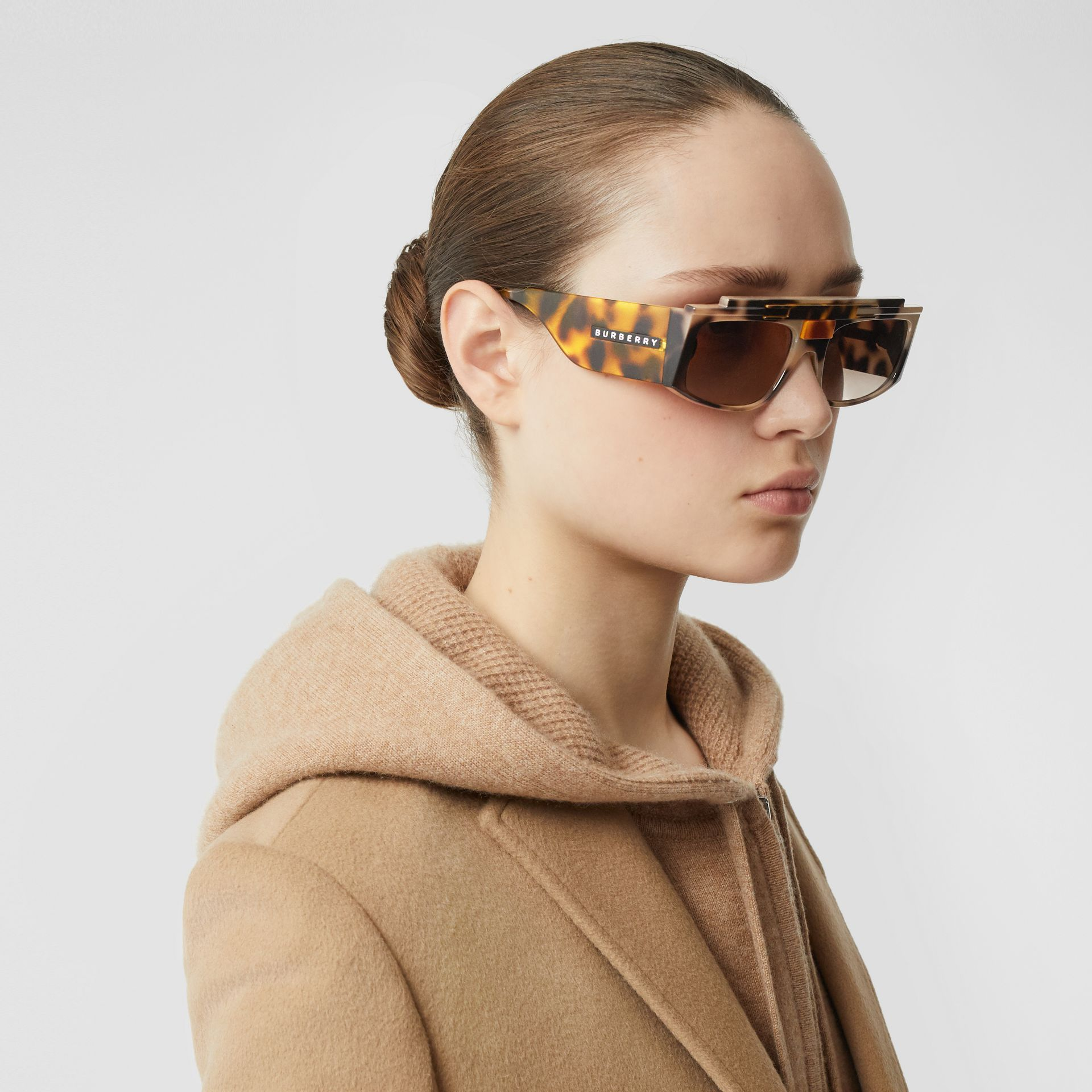 Rectangular Frame Sunglasses in Tortoiseshell - Women | Burberry - gallery image 4