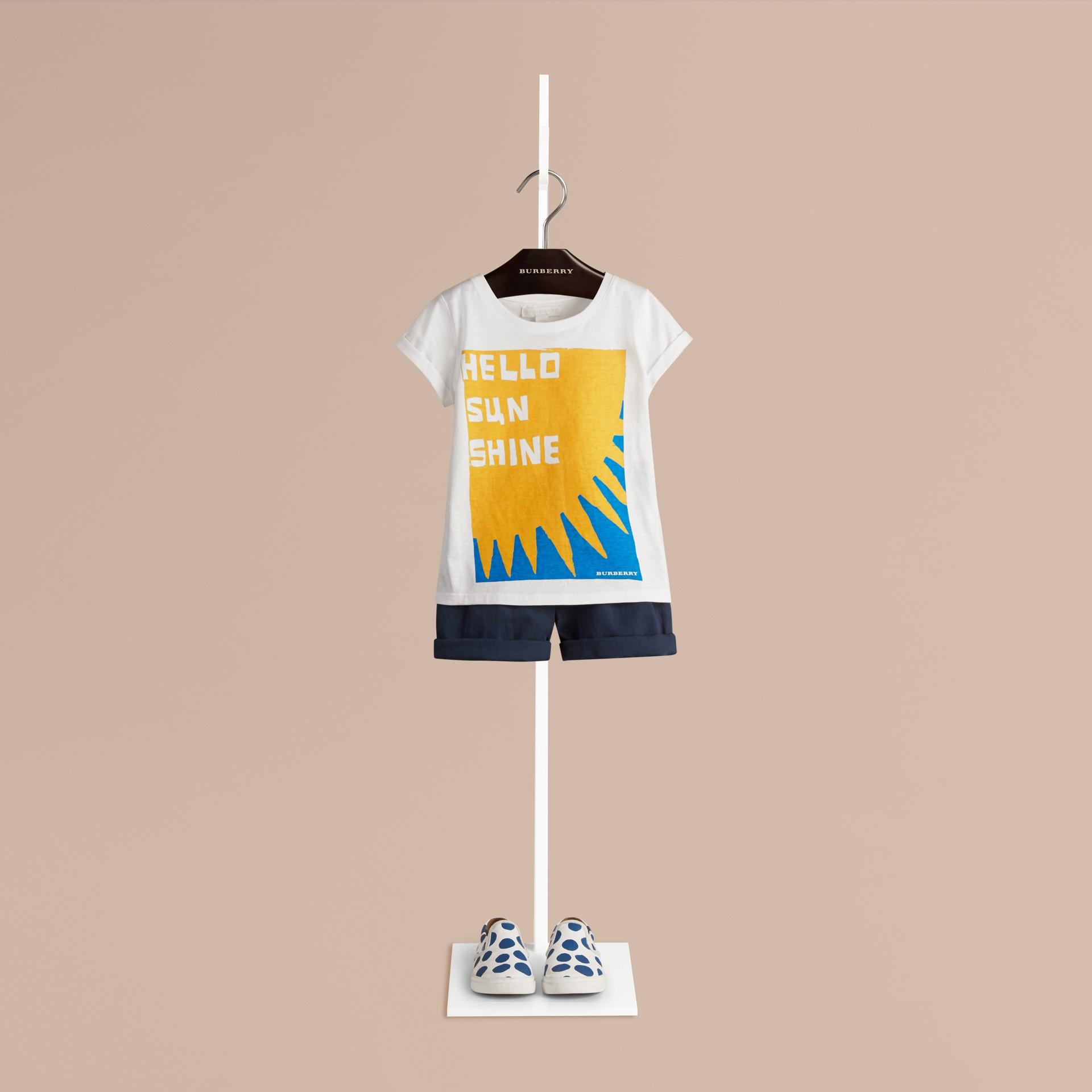 Weiss Baumwoll-T-Shirt mit Hello Sunshine-Druck - Galerie-Bild 1
