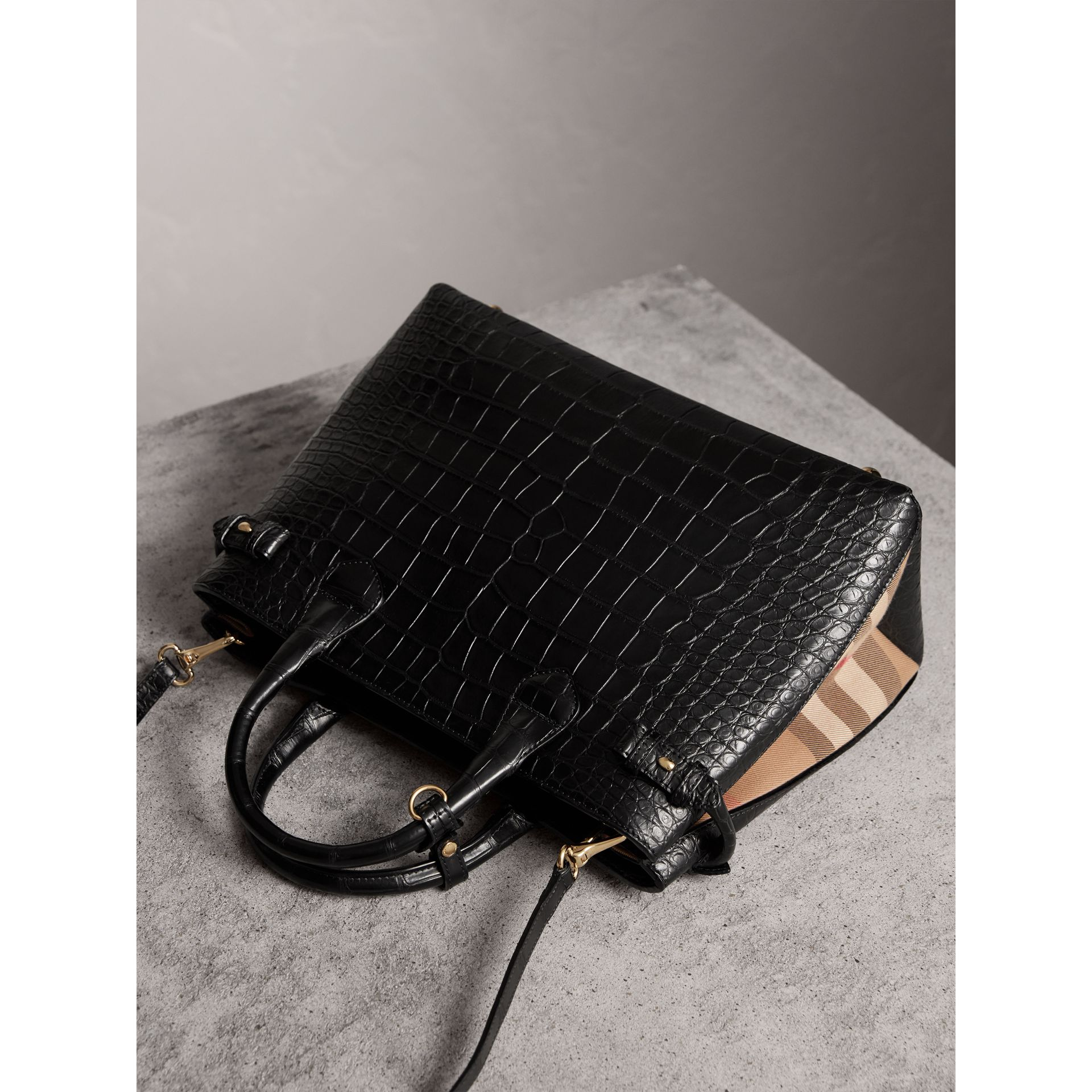 Sac The Banner medium en alligator - Femme | Burberry - photo de la galerie 4