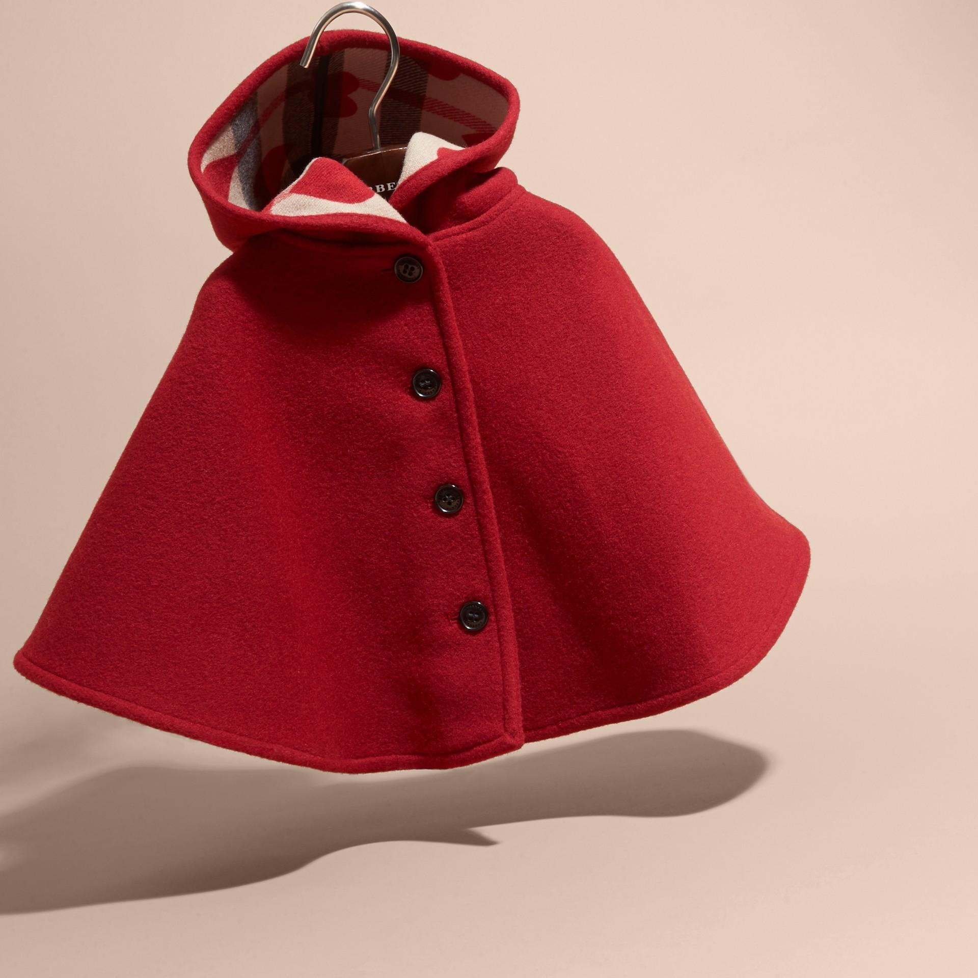 Rosso windsor Mantella svasata in lana con cappuccio Rosso Windsor - immagine della galleria 3