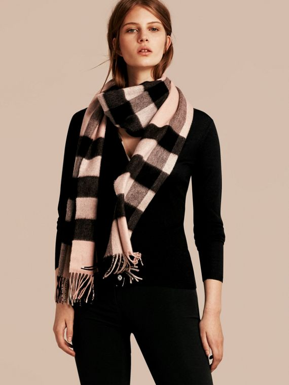 Ash rose The Large Classic Cashmere Scarf in Check Rose - cell image 2