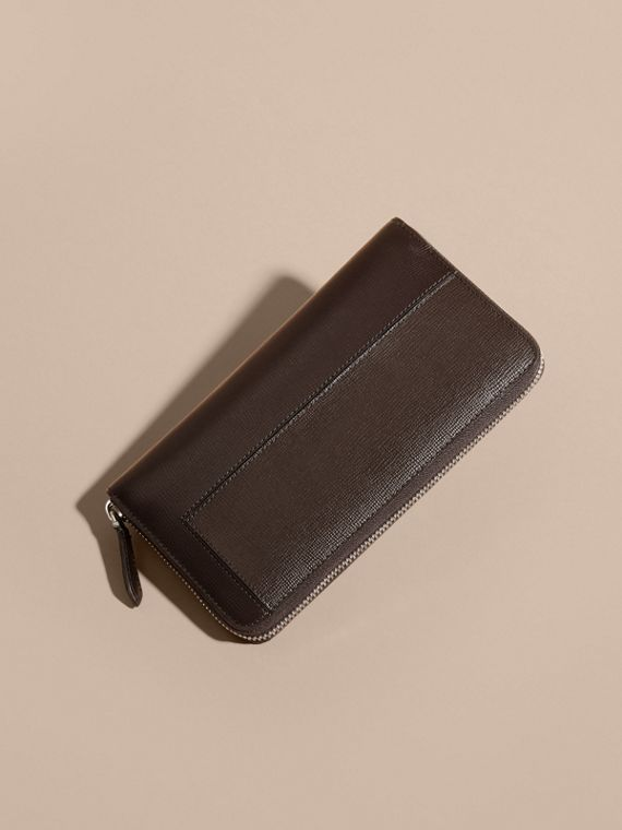 Wine Panelled London Leather Ziparound Wallet Wine - cell image 3