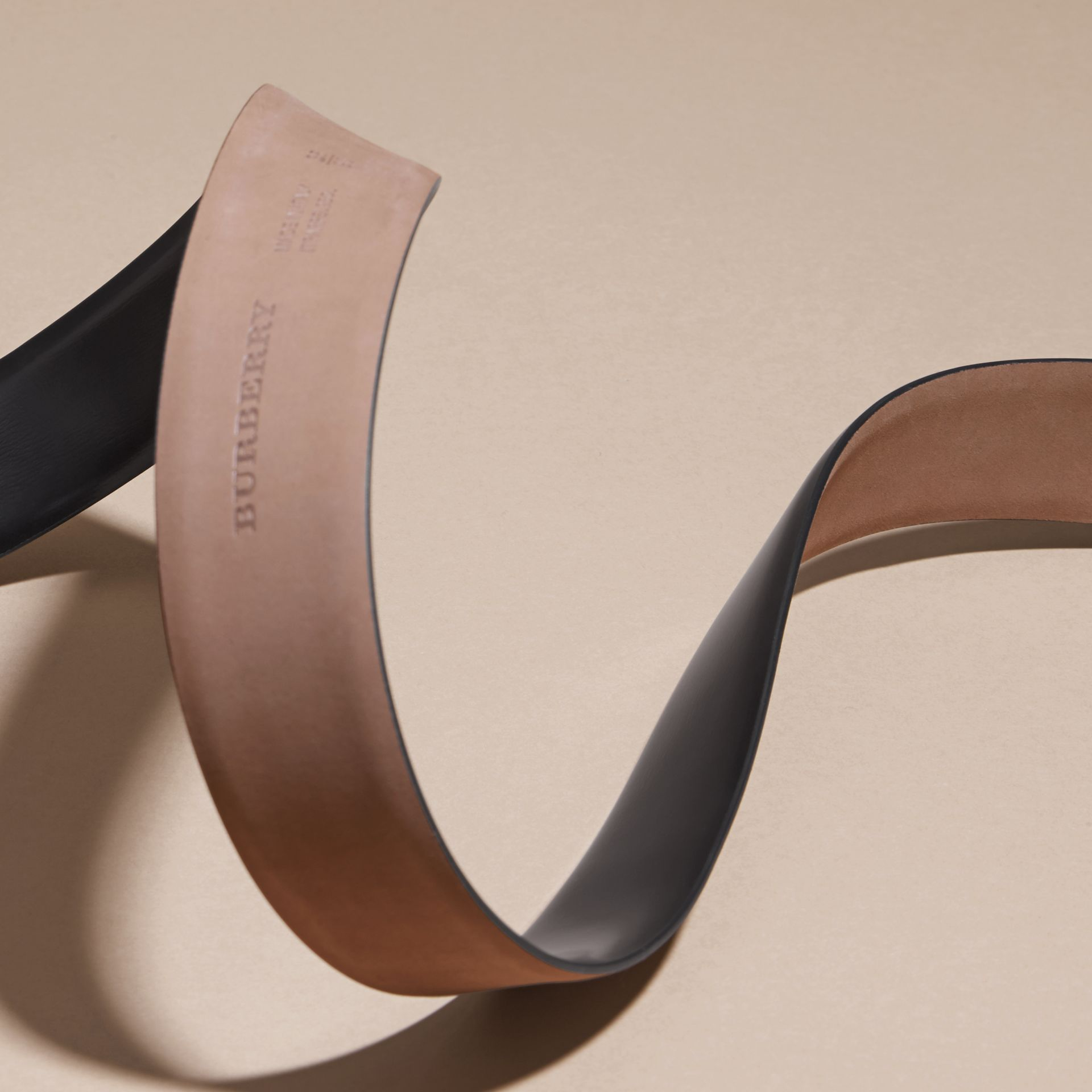 Polished Plaque Buckle Bridle Leather Belt in Black - Men | Burberry Australia - gallery image 4
