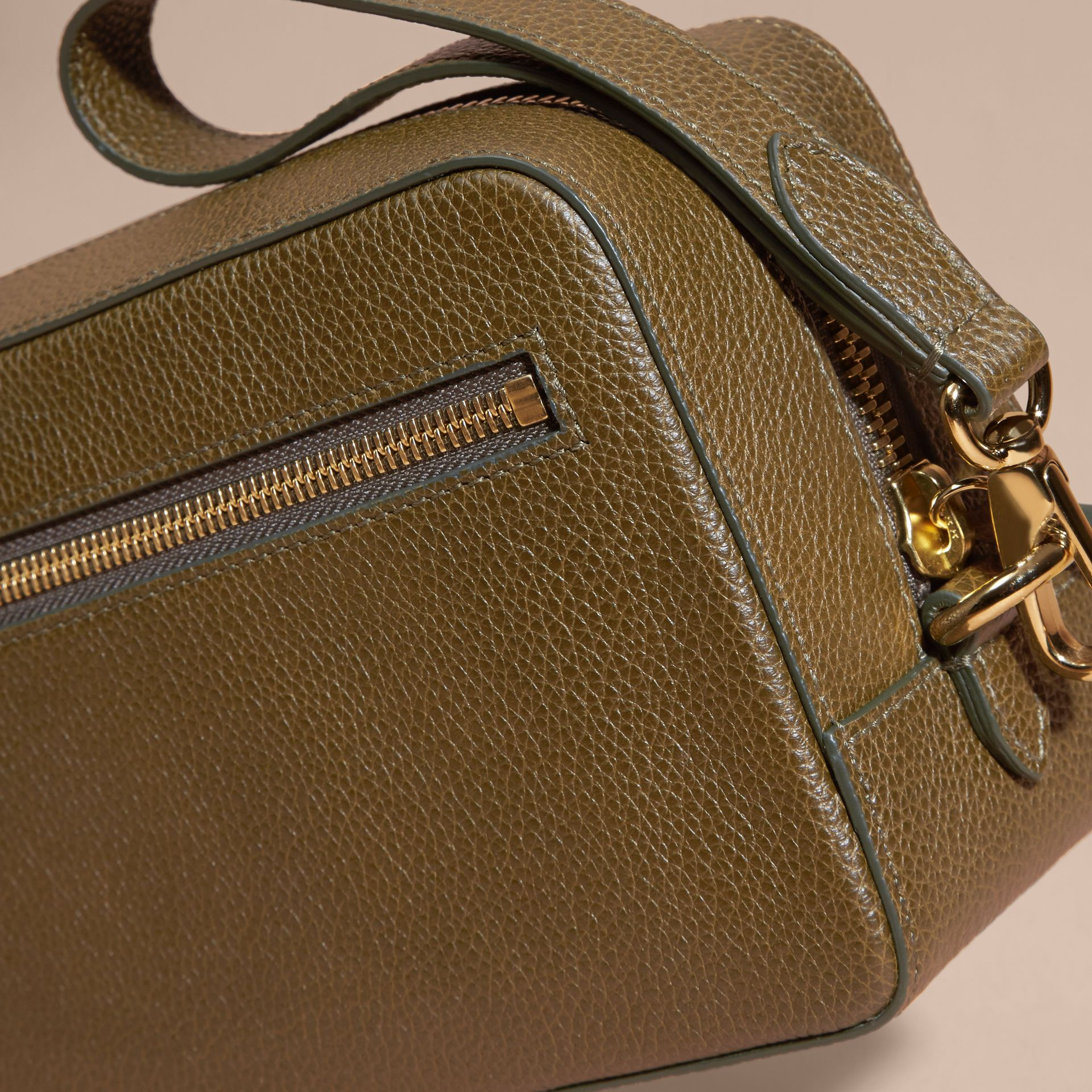 Olive green Grainy Leather Washbag Olive Green - gallery image 3