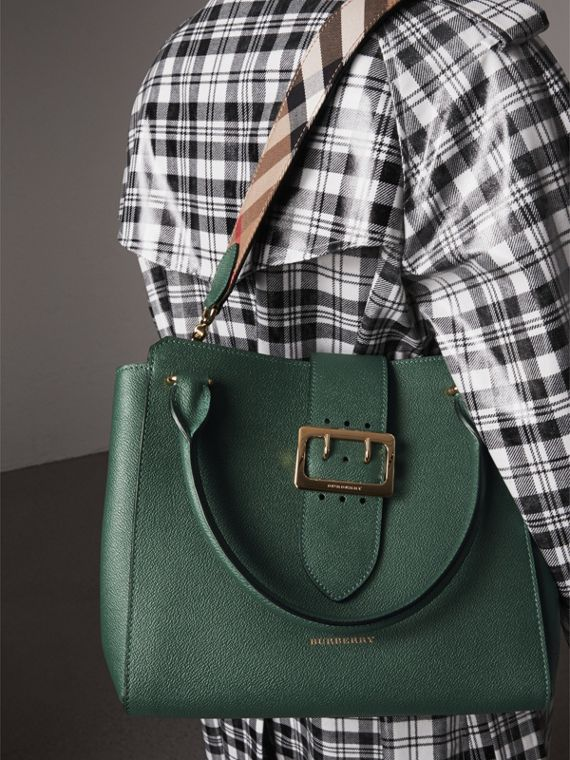 The Medium Buckle Tote in Grainy Leather in Sea Green - Women | Burberry United Kingdom - cell image 3