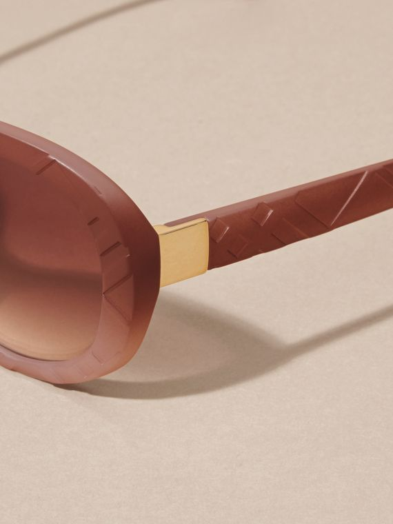 Pale rose 3D Check Round Frame Sunglasses Pale Rose - cell image 3