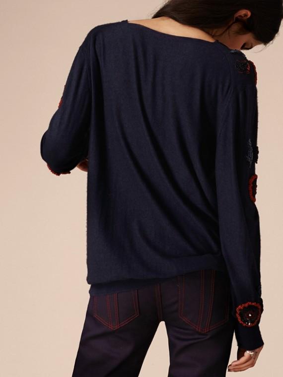 Navy Pullover in misto lana con perline cucite a mano - cell image 2