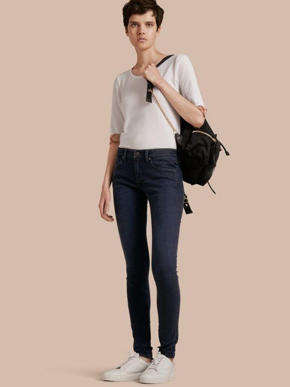 Jeans attillati in denim stretch ultraresistente