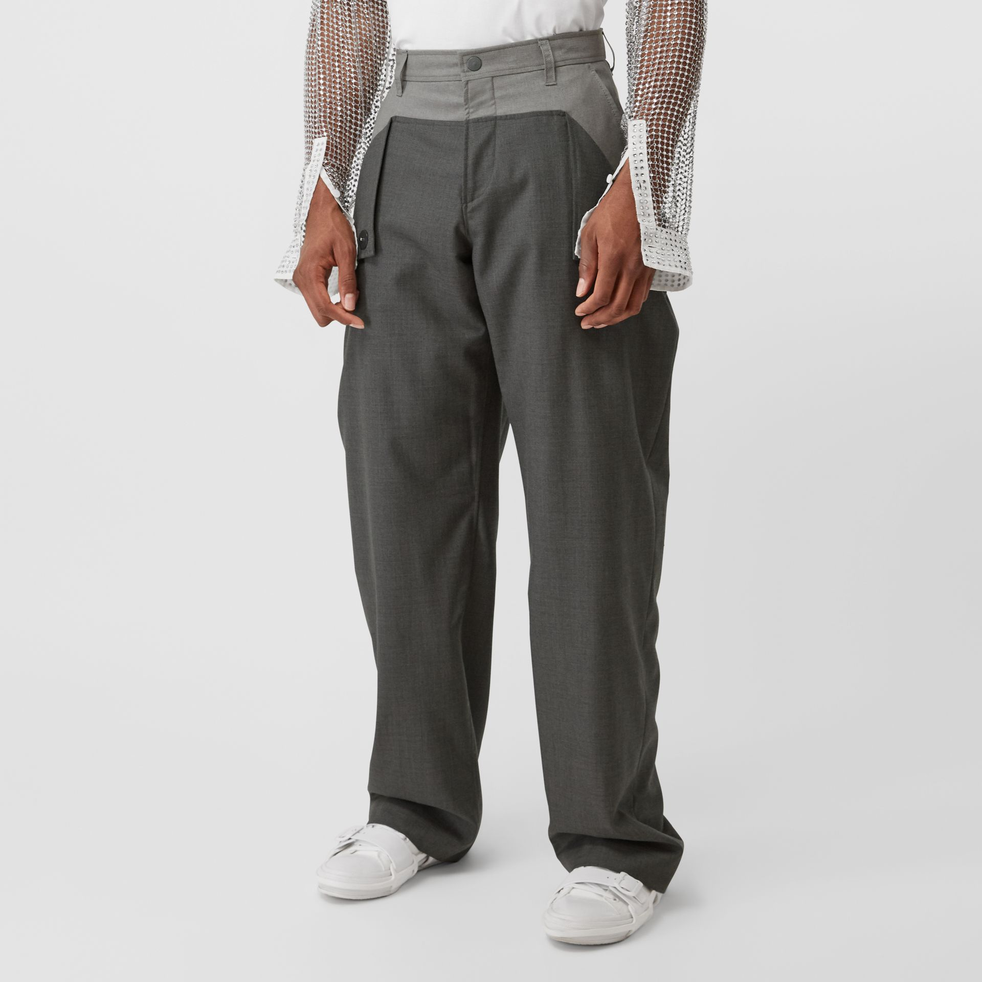 Press-stud Detail Tonal Wool Trousers in Charcoal Grey | Burberry - gallery image 5