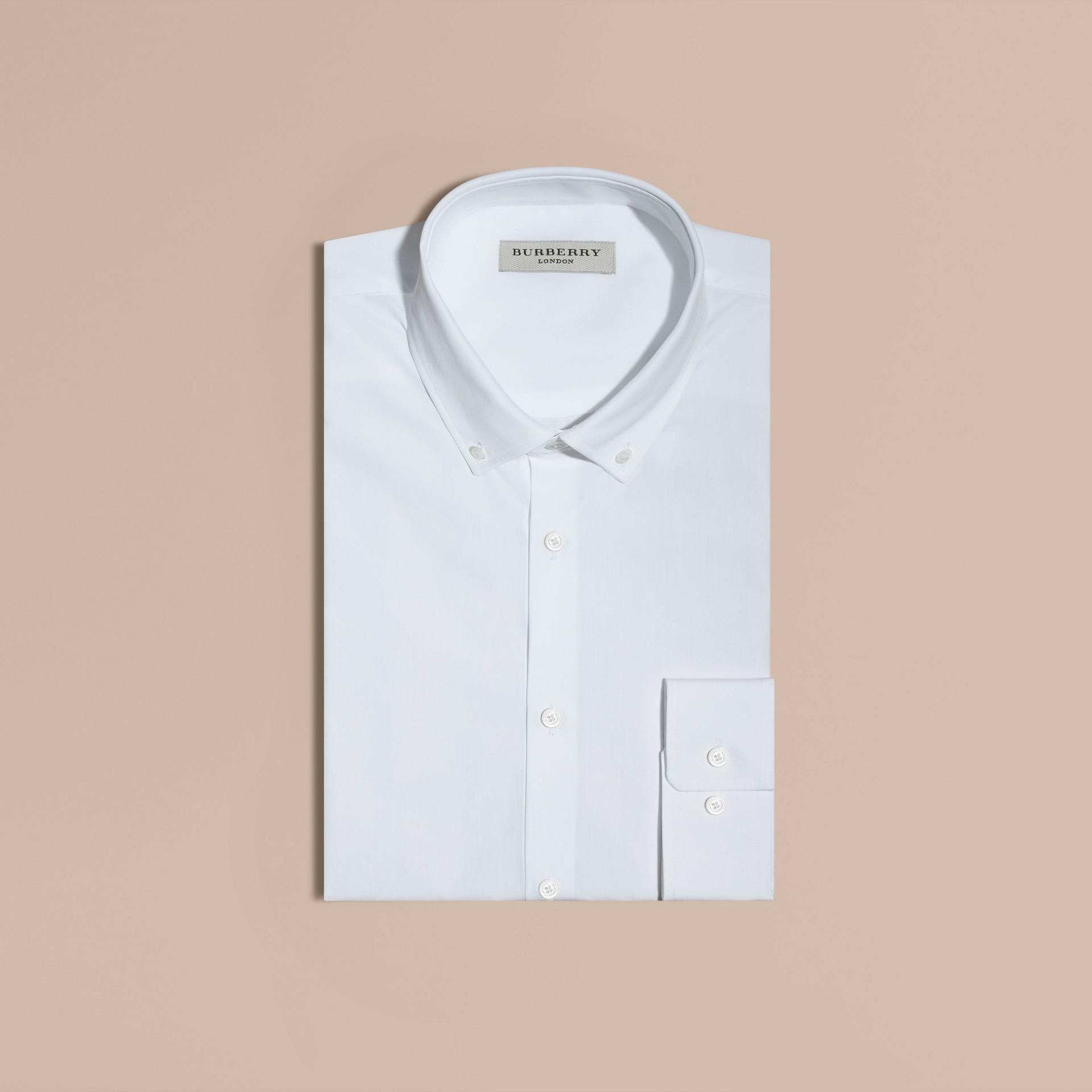 Bianco Camicia moderna in popeline di cotone con colletto button-down Bianco - immagine della galleria 1