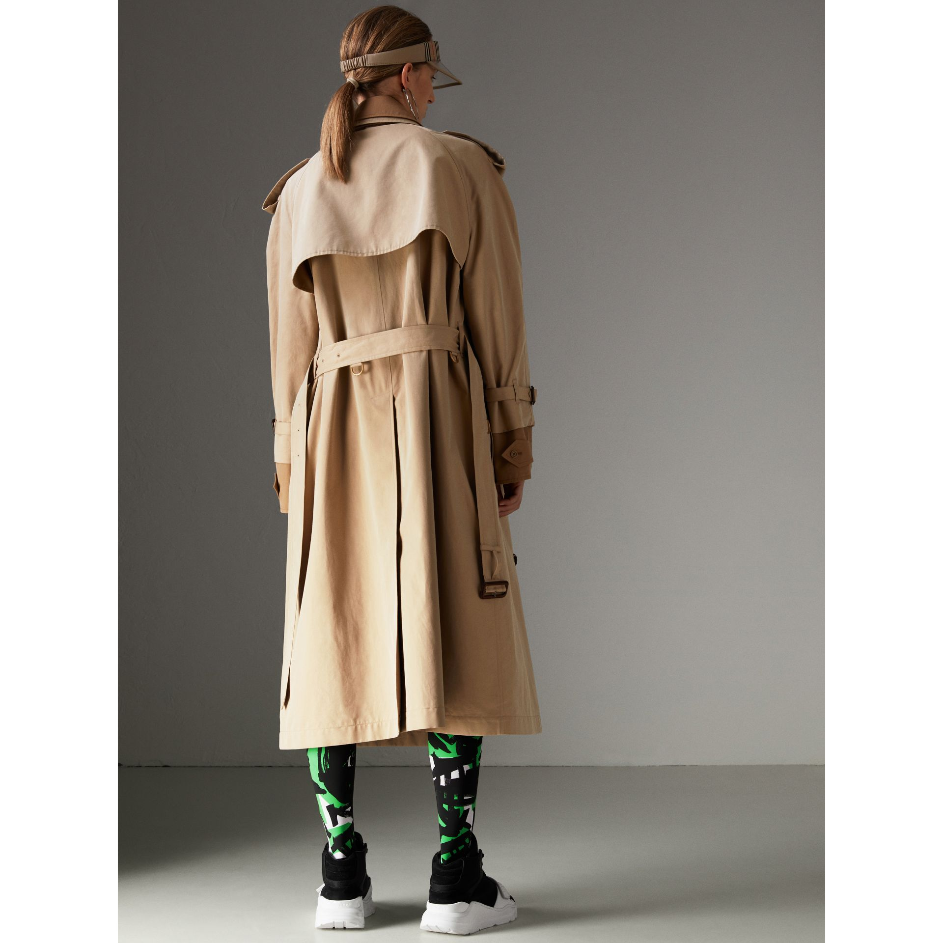 Cotton Gabardine Reconstructed Car Coat in Honey - Women | Burberry Canada - gallery image 2