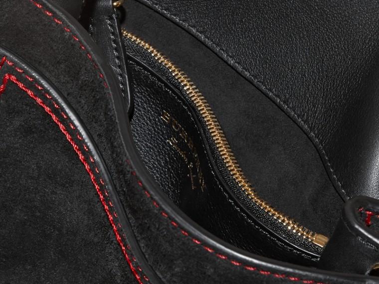 Noir Sac The Buckle medium carré en cuir velours anglais et cuir - cell image 4