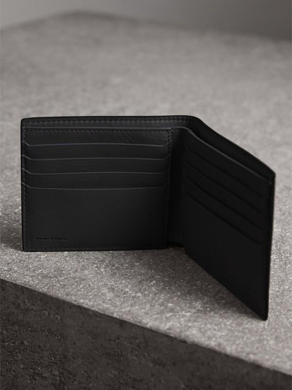 Складной бумажник из кожи Trench с принтом Splash, модель для банкнот всех валют (Черный / Принт) - Для мужчин | Burberry - cell image 3