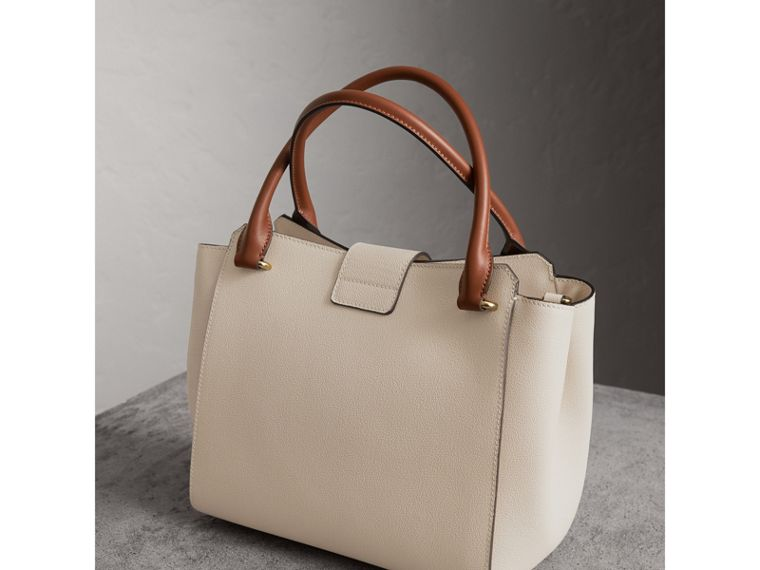 The Medium Buckle Tote in Two-tone Grainy Leather in Limestone - Women | Burberry United States - cell image 4