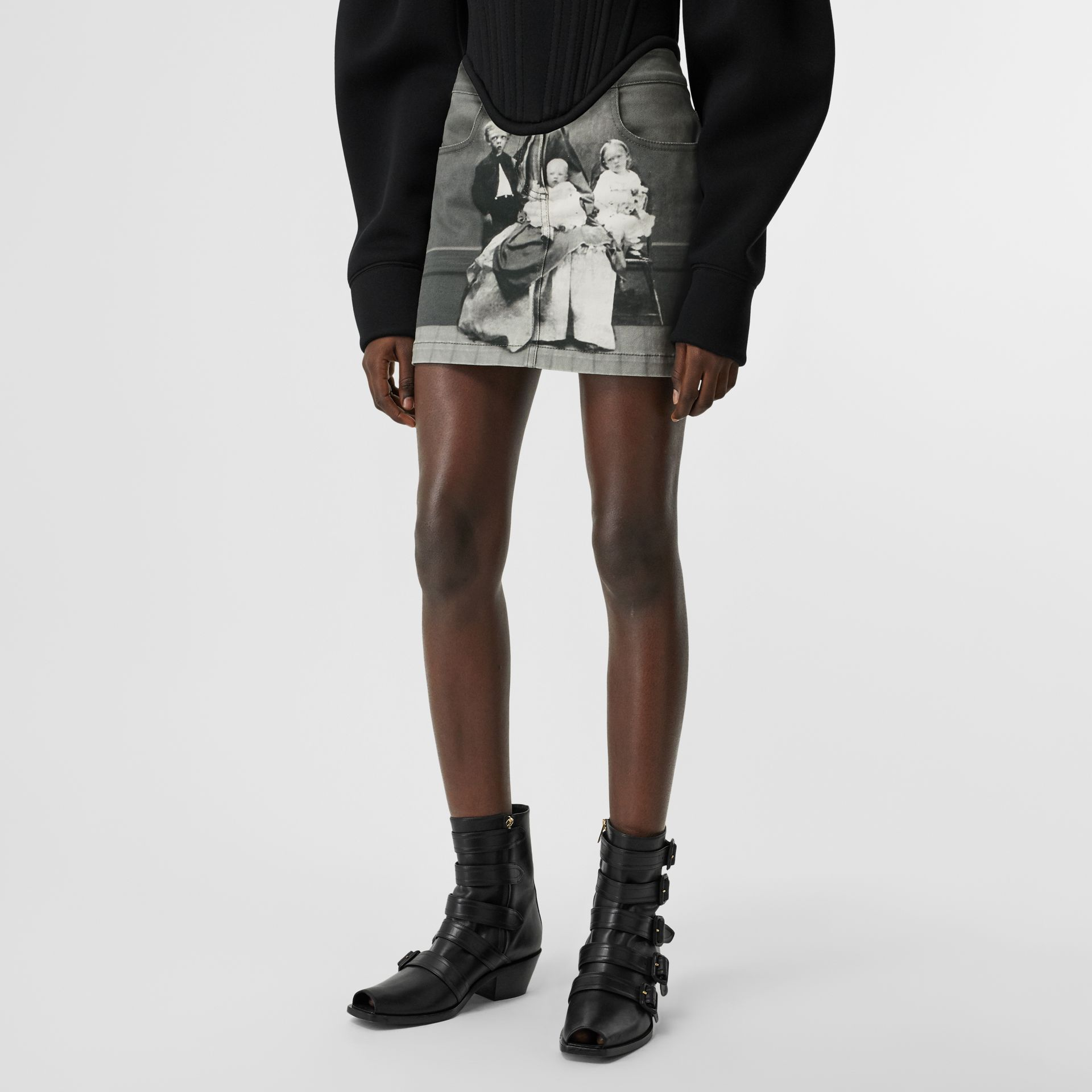 Victorian Portrait Print Stretch Denim Mini Skirt in Grey - Women | Burberry Singapore - gallery image 4