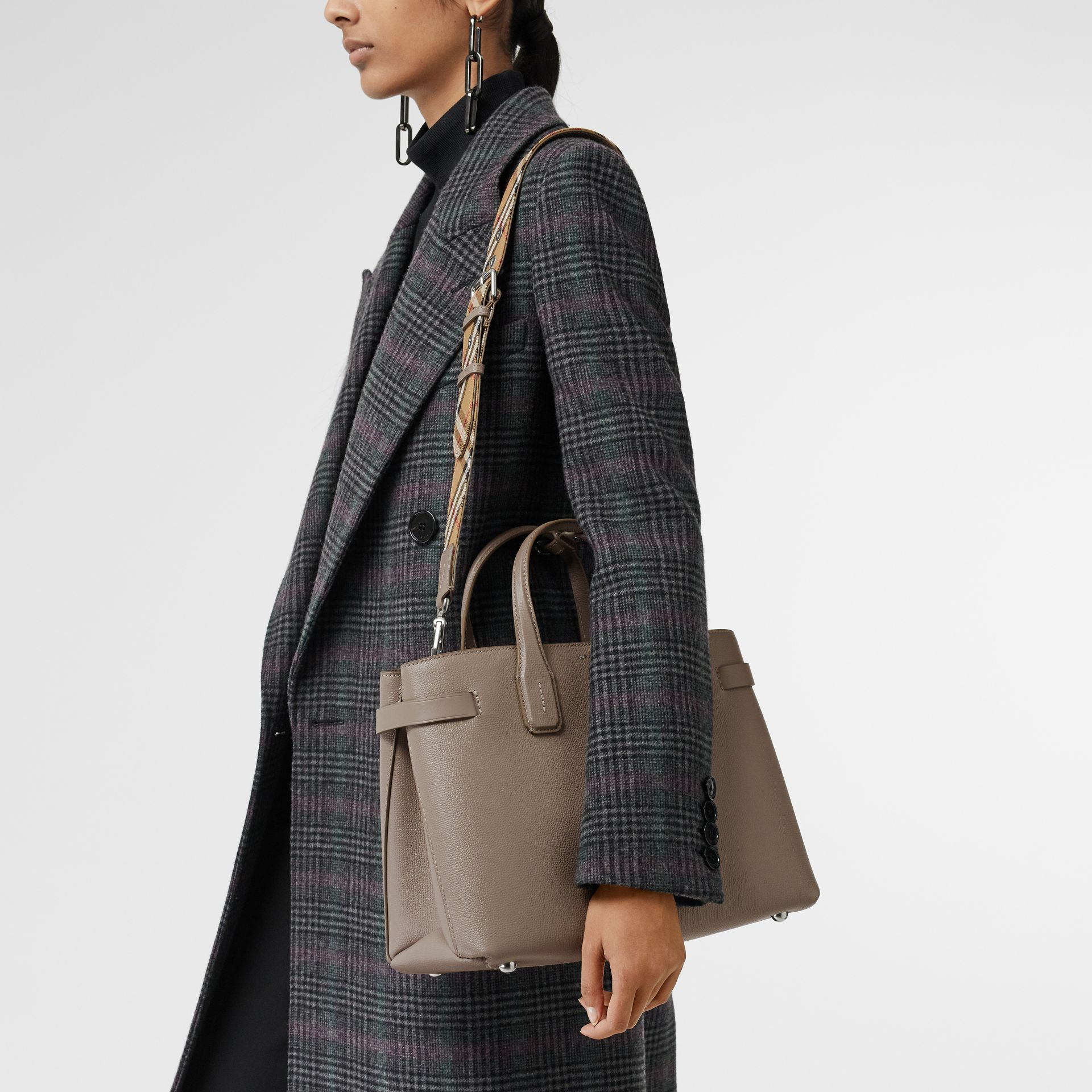 The Medium Banner in Leather and Vintage Check in Taupe Brown - Women | Burberry - gallery image 3