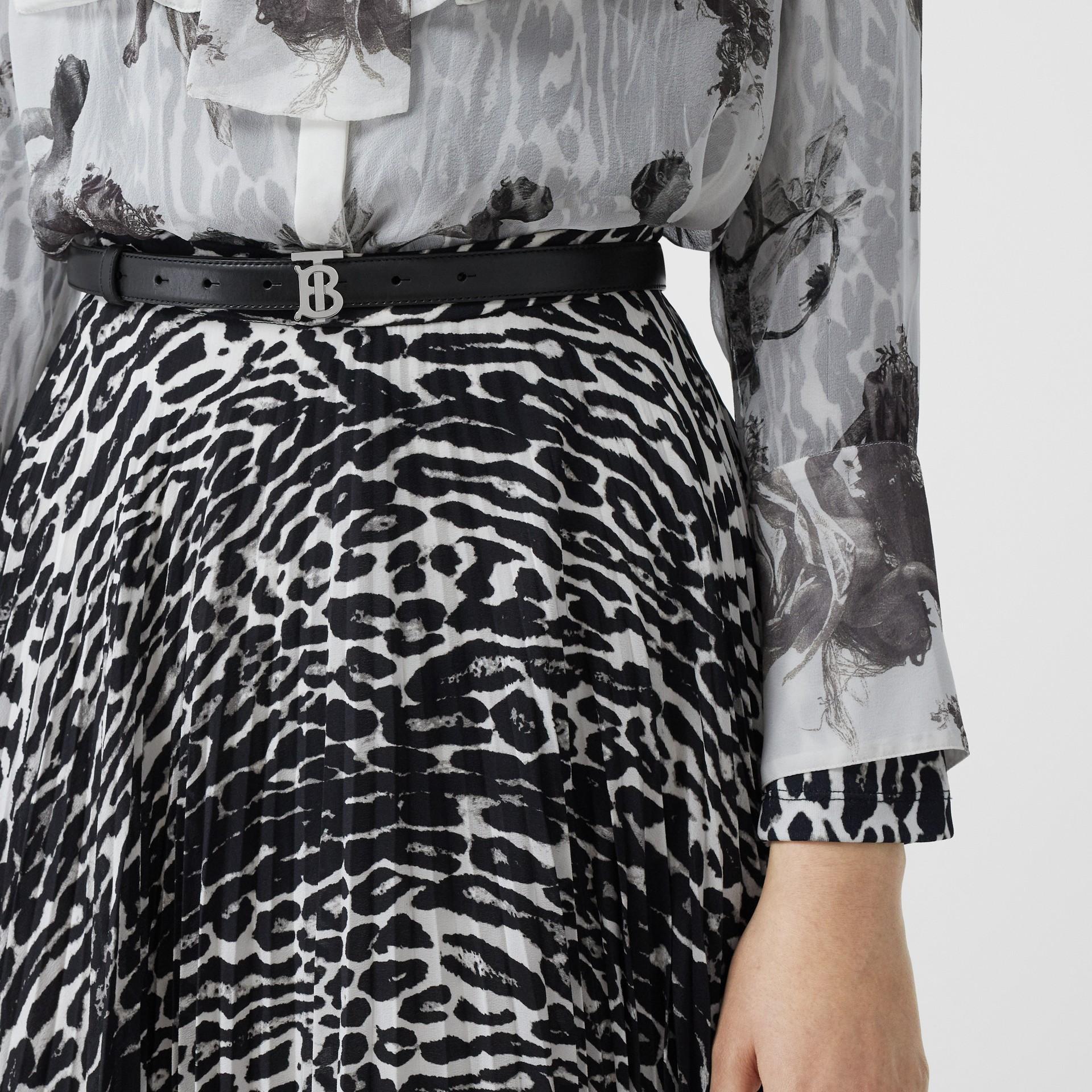 Monogram Motif Leather Belt in Black/palladio - Women | Burberry Canada - gallery image 2