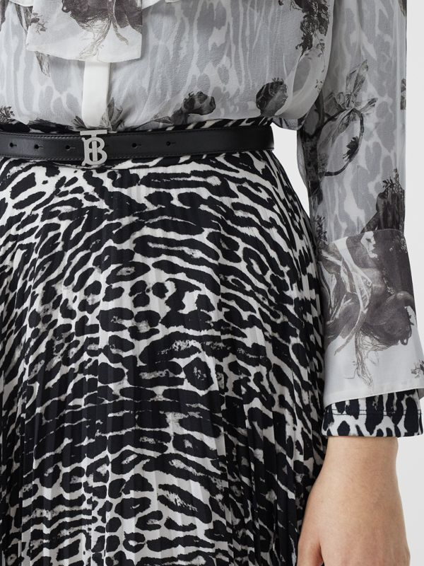 Monogram Motif Leather Belt in Black/palladio - Women | Burberry Canada - cell image 2