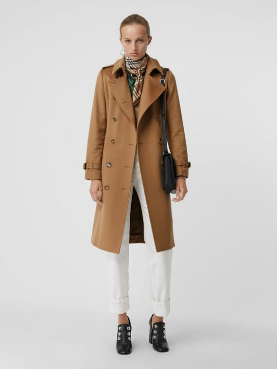 Cashmere Trench Coat in Mid Camel
