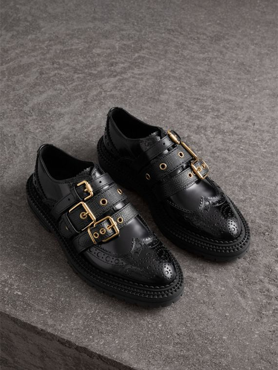 Brogue in pelle lucida con fibbie (Nero)