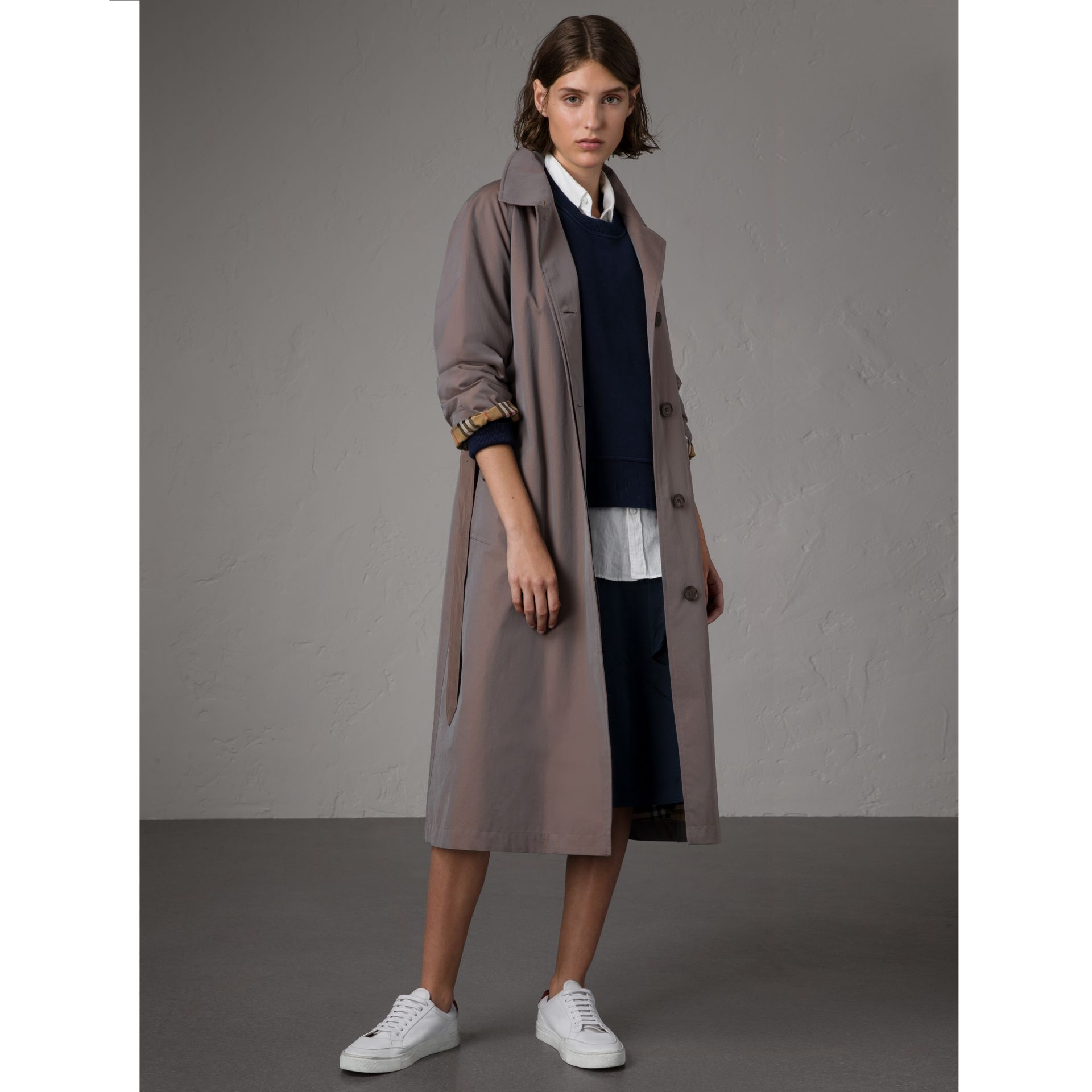 The Brighton – Extra-long Car Coat in Lilac Grey - Women | Burberry Singapore - gallery image 8