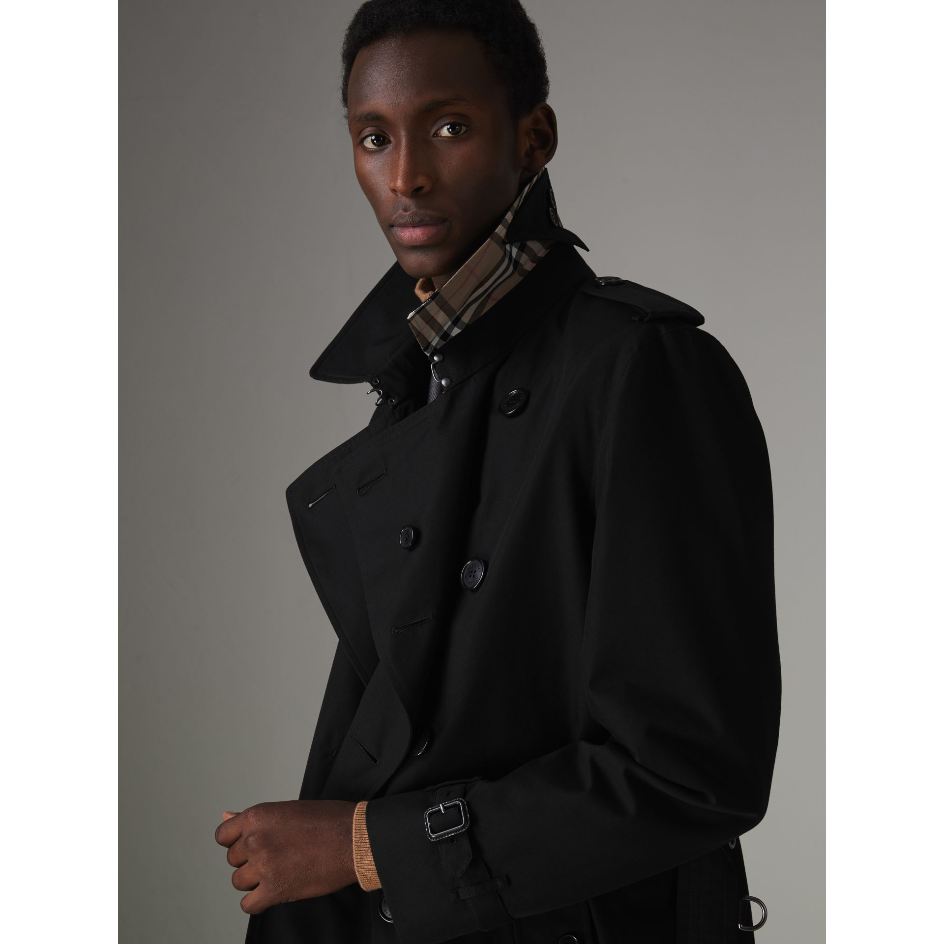 The Kensington Heritage Trench Coat in Black - Men | Burberry - gallery image 6