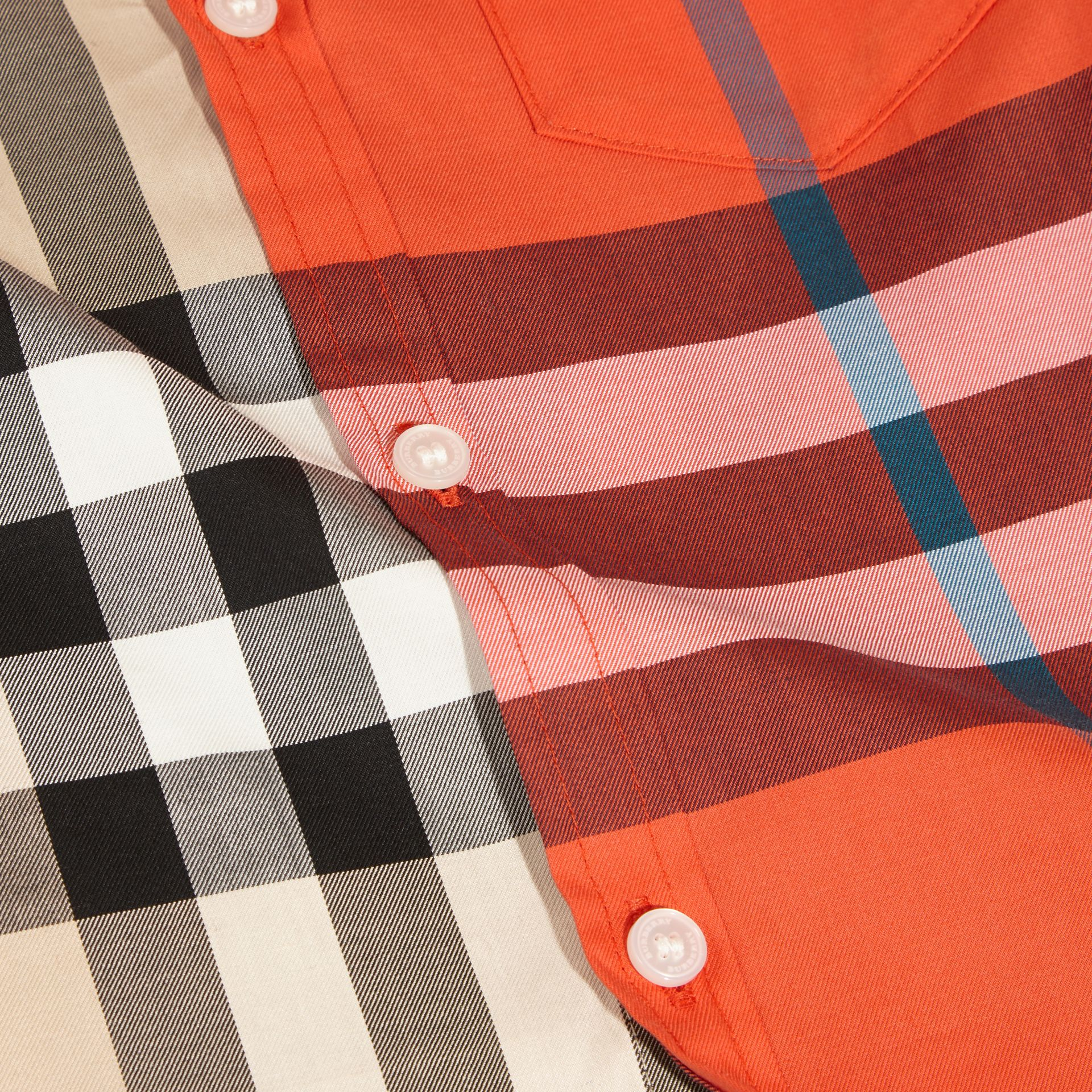 Short-sleeved Contrast Check Cotton Shirt in New Classic - Boy | Burberry - gallery image 2
