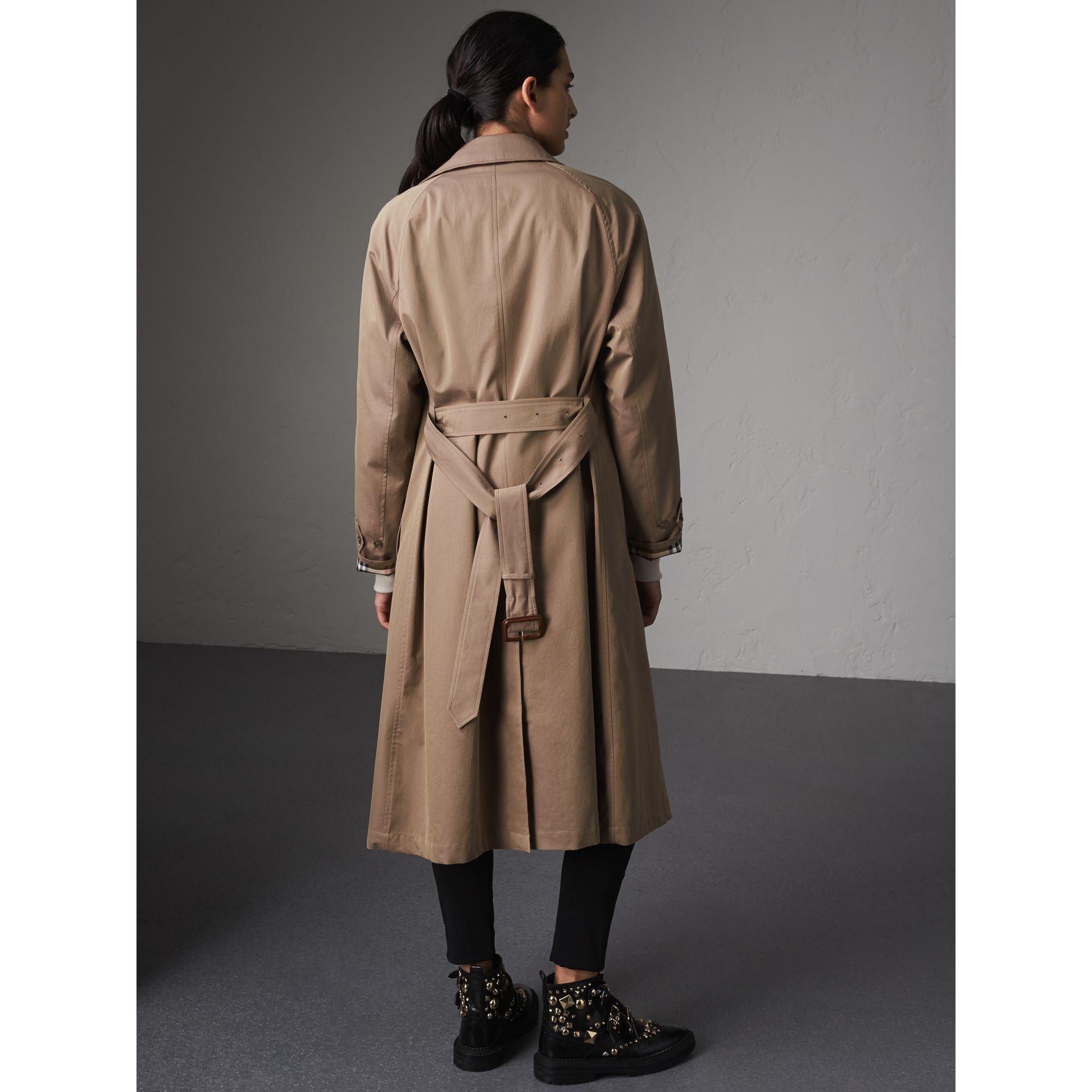 The Brighton – Extra-long Car Coat in Taupe Brown - Women | Burberry Australia - gallery image 3