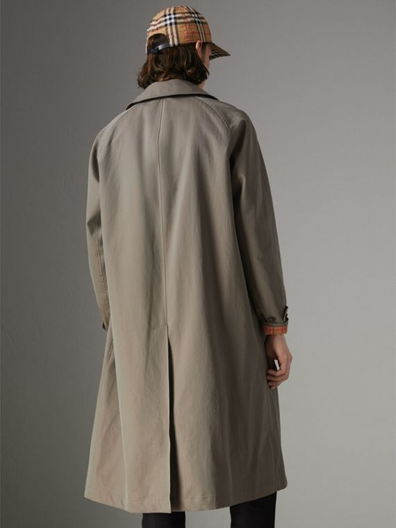 The Brighton Car Coat in Chalk Green - Men | Burberry Hong Kong - cell image 2