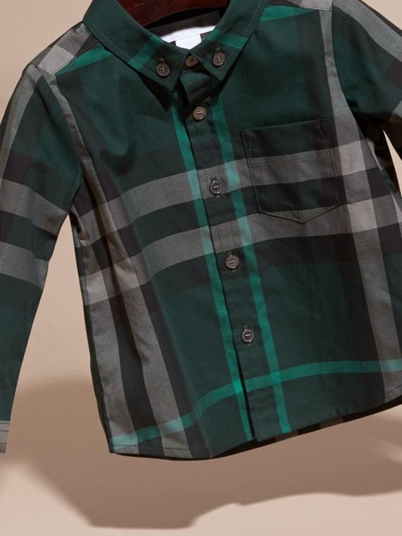 레이싱 그린 체크 버튼 다운 코튼 셔츠 레이싱 그린 - cell image 2