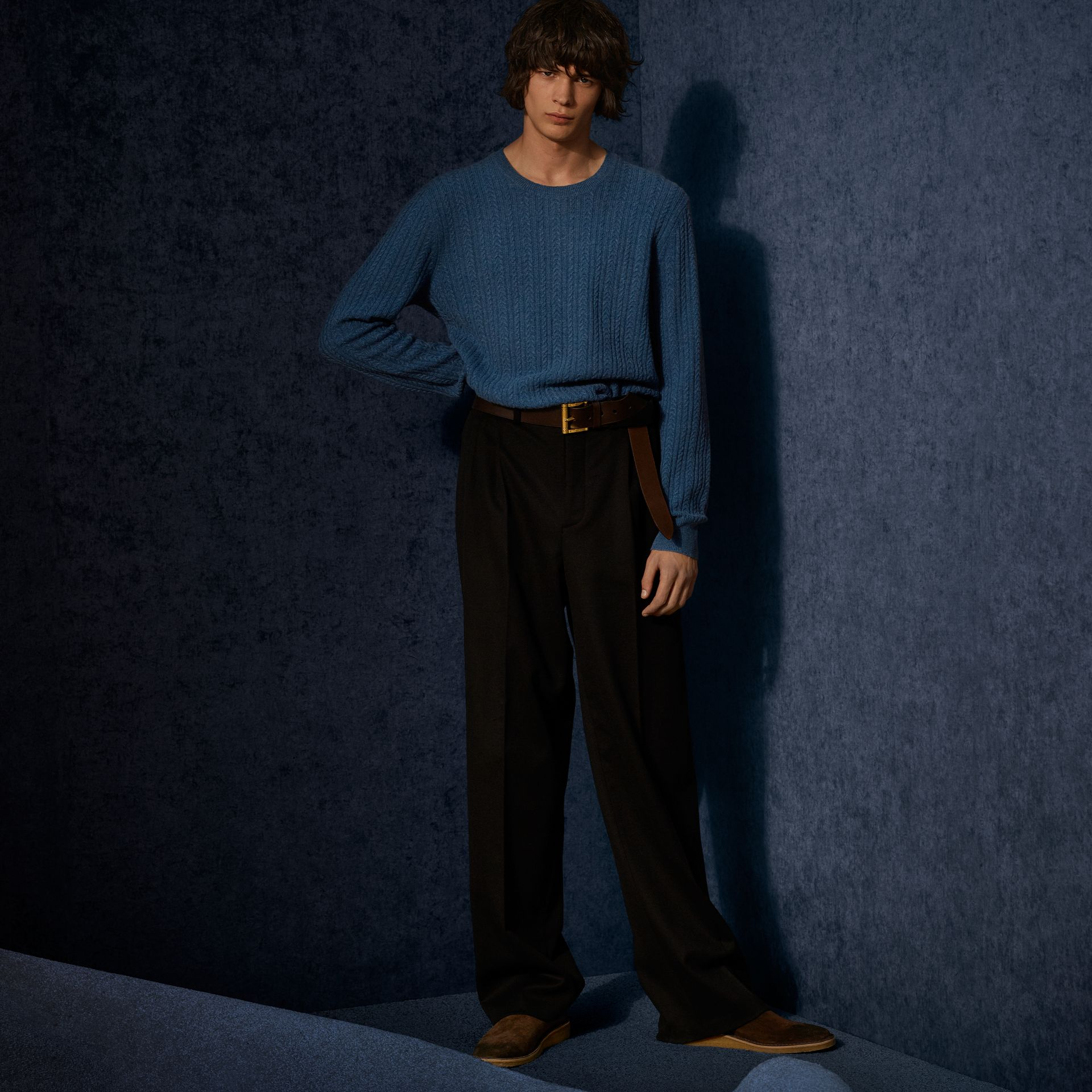 Azul hortênsia Suéter de cashmere em ponto Aran Azul Hortênsia - galeria de imagens 8