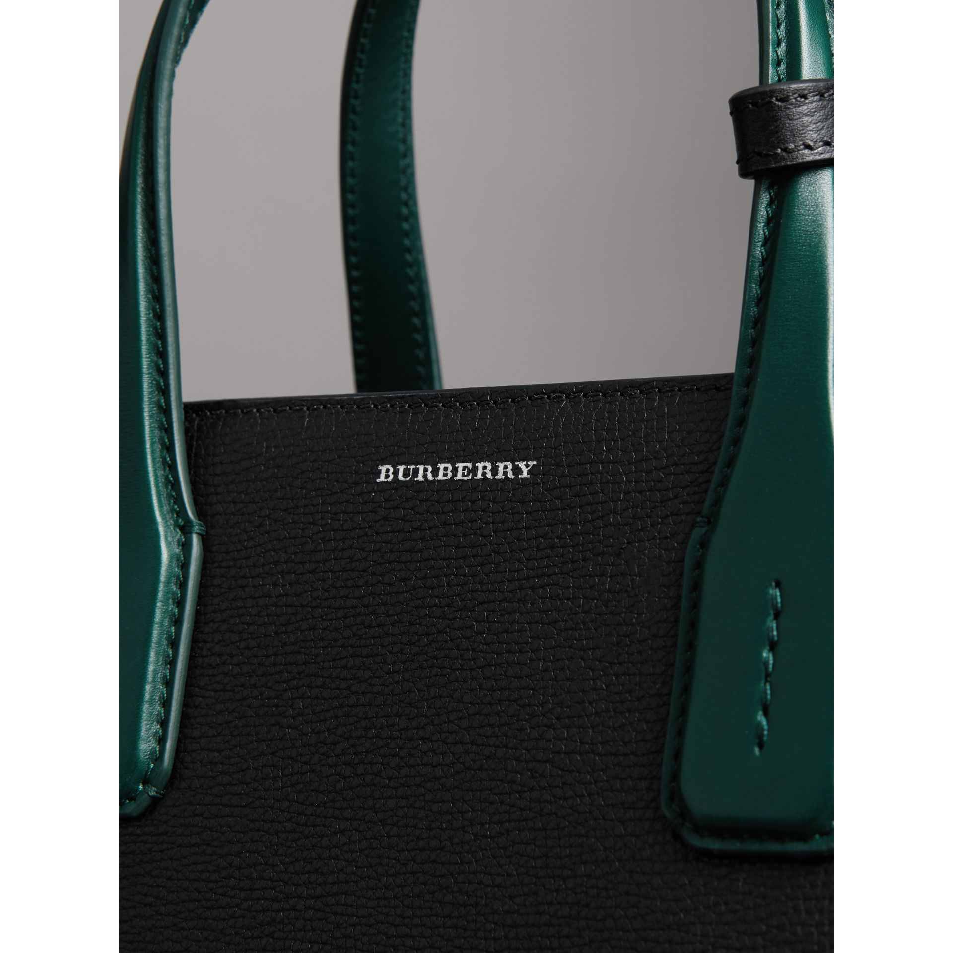 The Medium Banner in Two-tone Leather in Black/sea Green - Women | Burberry United Kingdom - gallery image 1