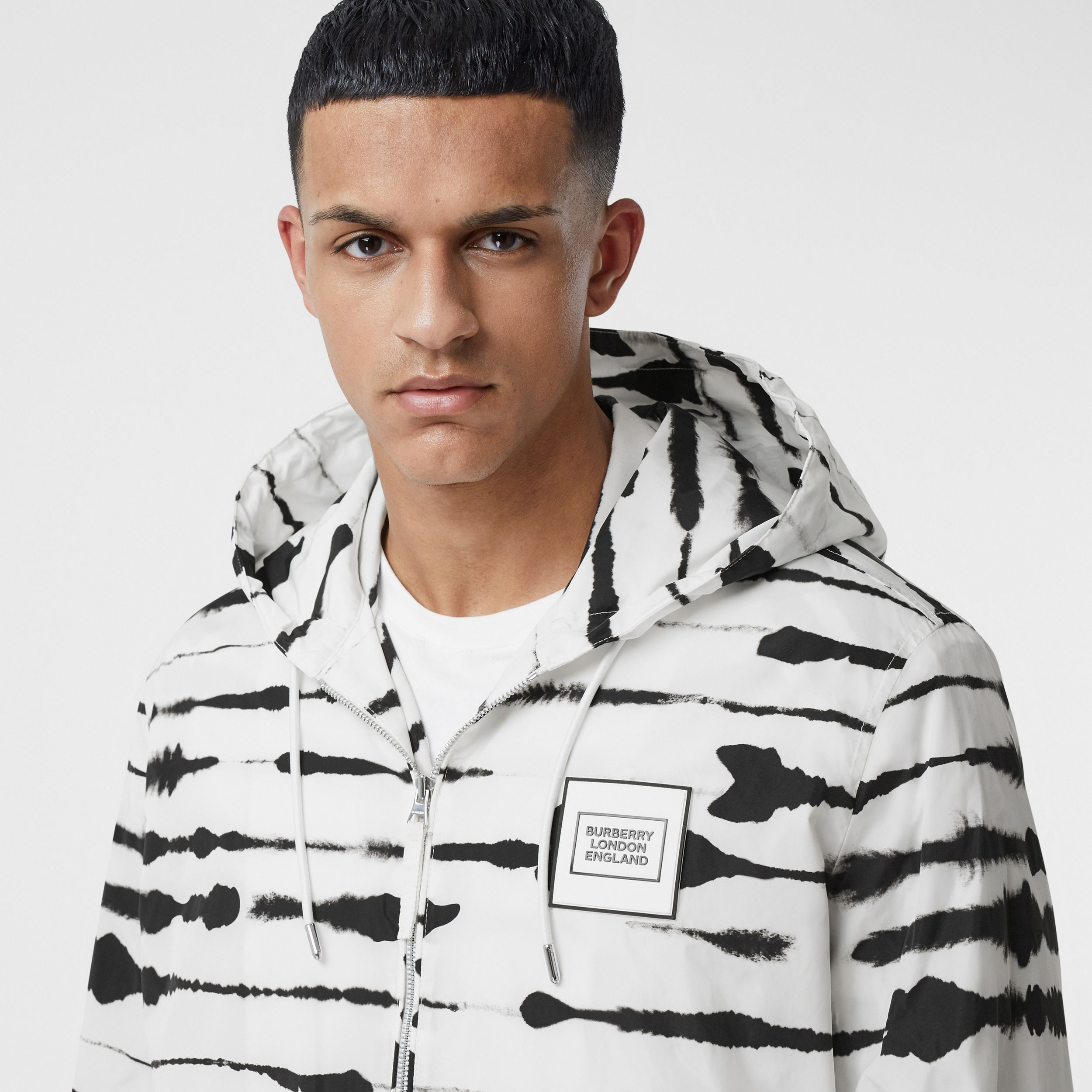 Logo Appliqué Watercolour Print Hooded Jacket in Monochrome - Men | Burberry Canada - 2