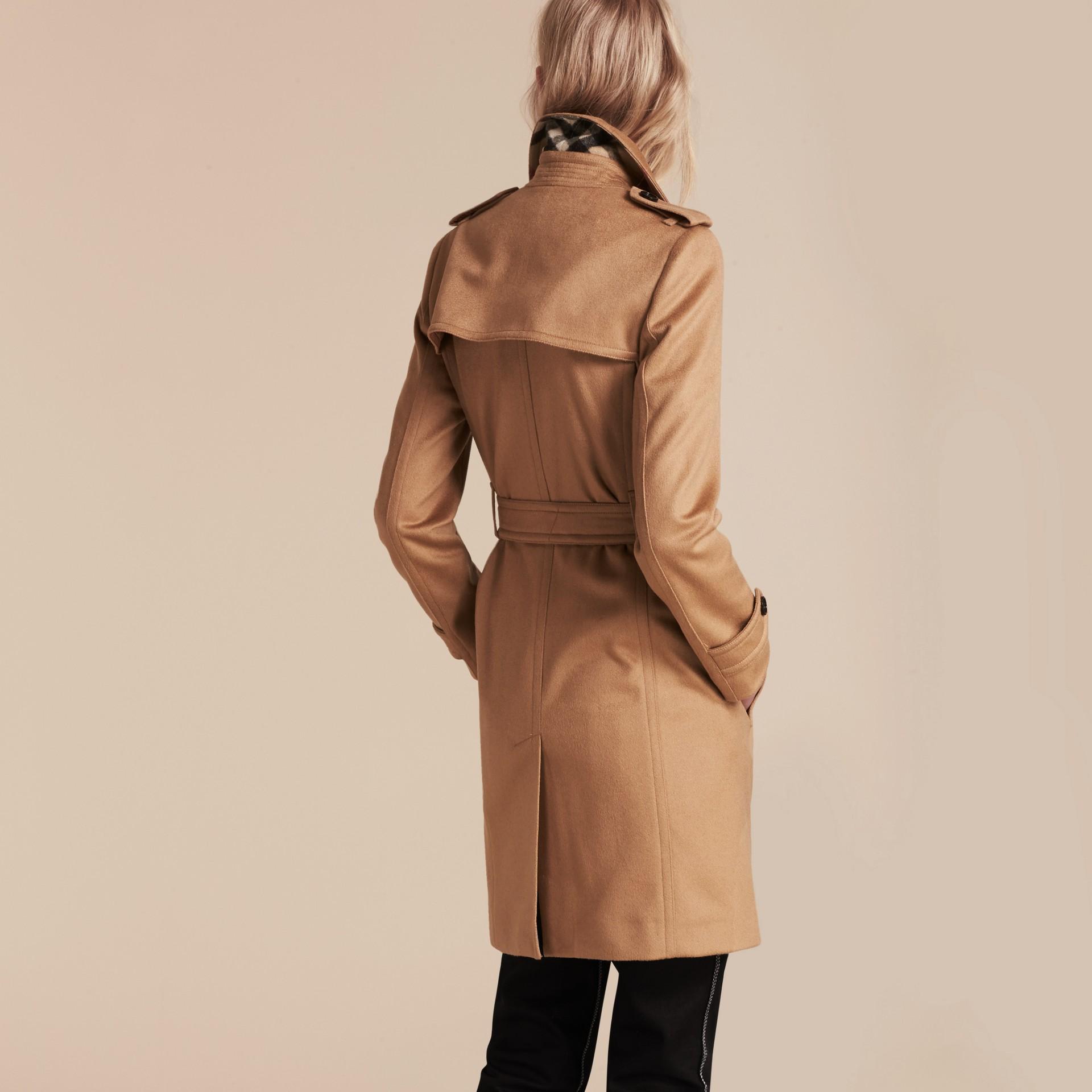 Camel Trench-coat portefeuille en cachemire Camel - photo de la galerie 3