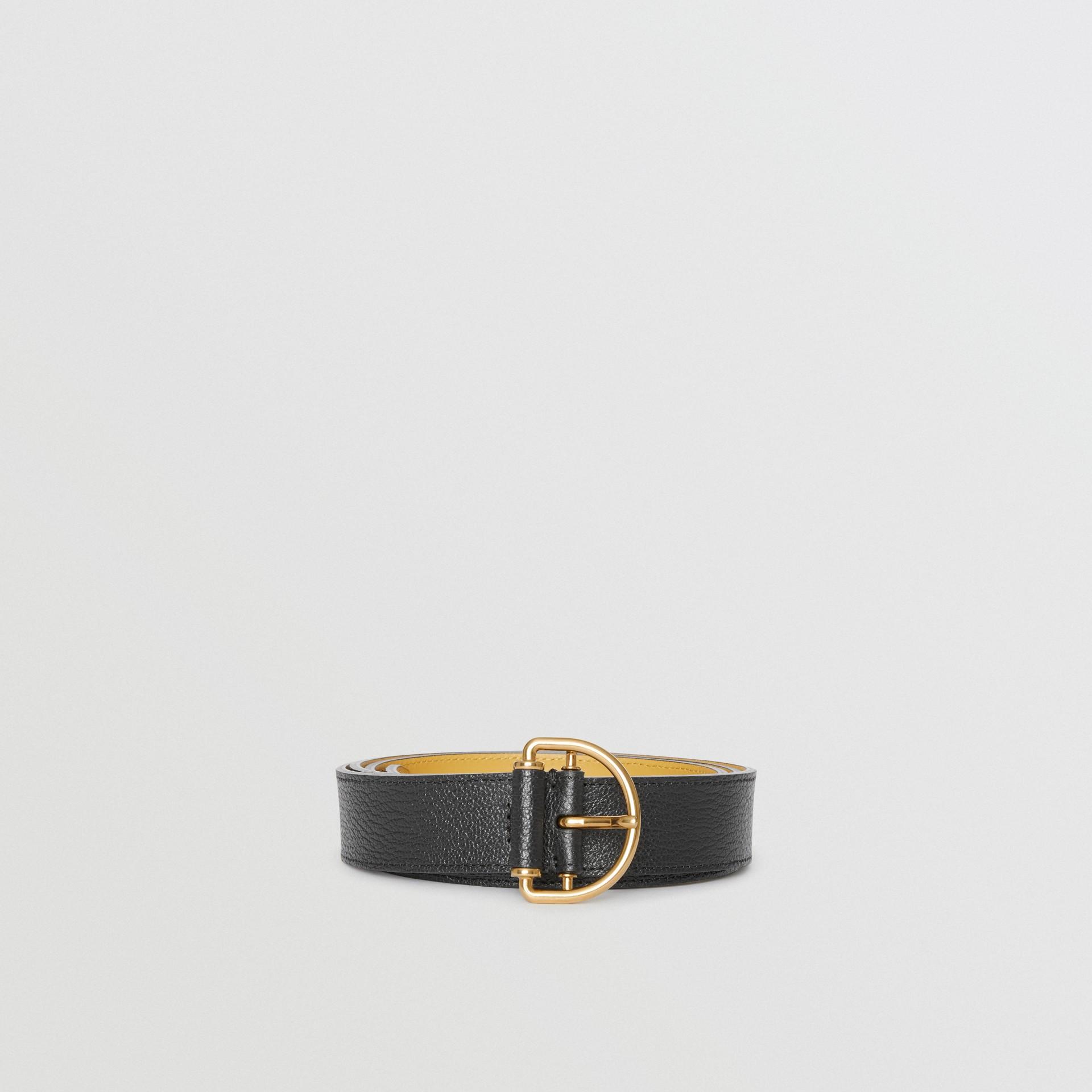 Cintura in pelle a grana con anello a D (Nero/fiordaliso) - Donna | Burberry - immagine della galleria 3