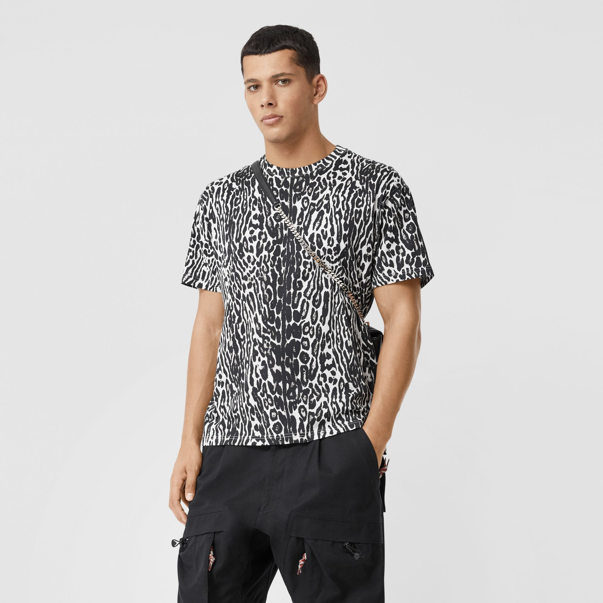 Leopard Print Cotton Oversized T-shirt in Black - Men | Burberry - gallery image 4
