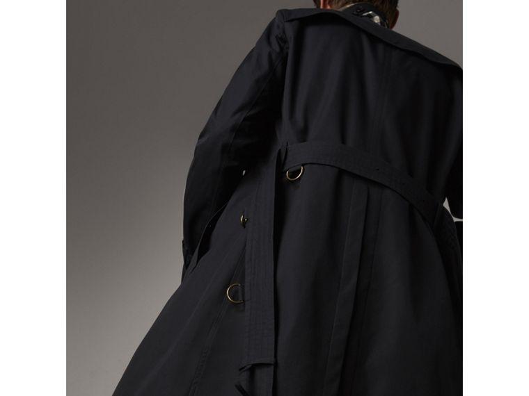The Chelsea – Long Trench Coat in Navy - Men | Burberry Singapore - cell image 4