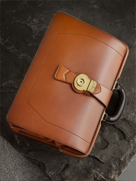 The DK88 Doctor's Bag Tan