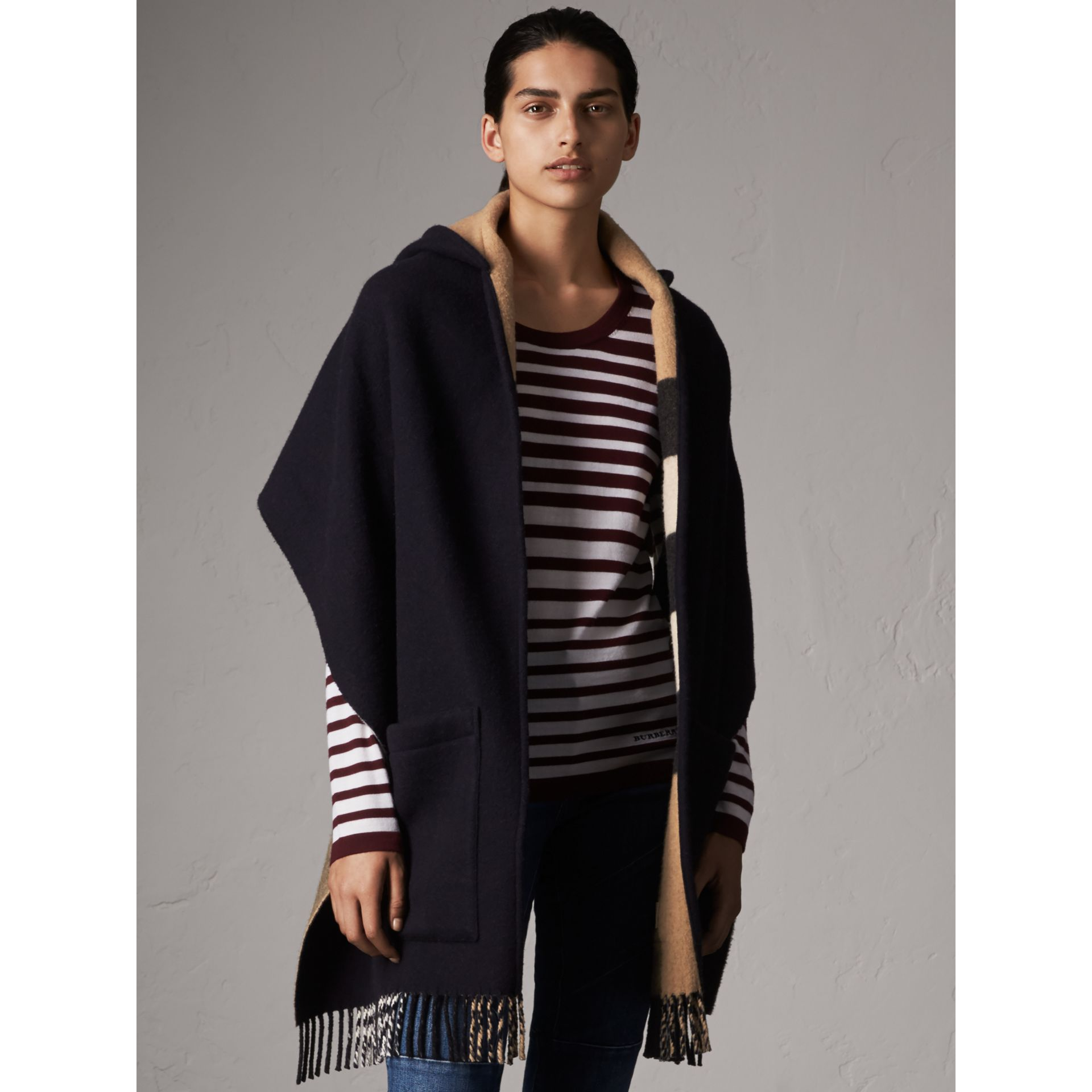 Check-lined Wool Cashmere Hooded Stole in Navy/camel - Women | Burberry - gallery image 5