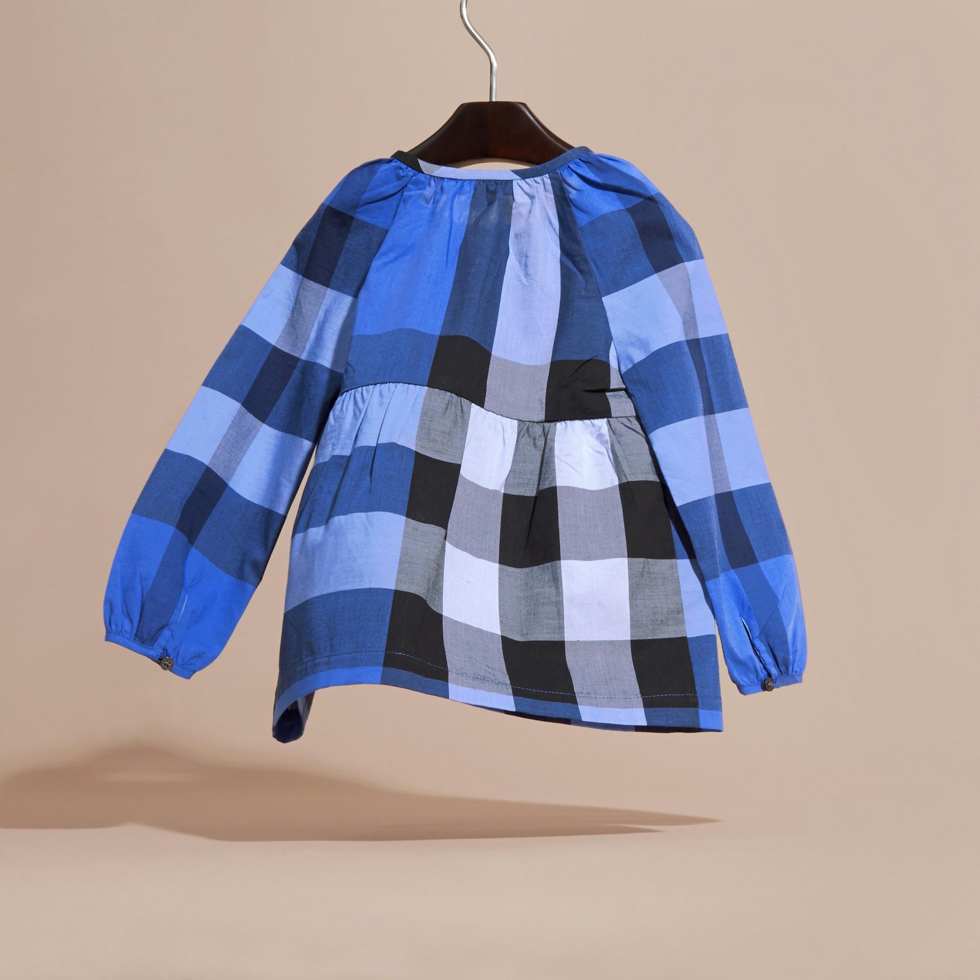Blu ortensia intenso Blusa in cotone con maniche a sbuffo e motivo check Ortensia Intenso - immagine della galleria 4