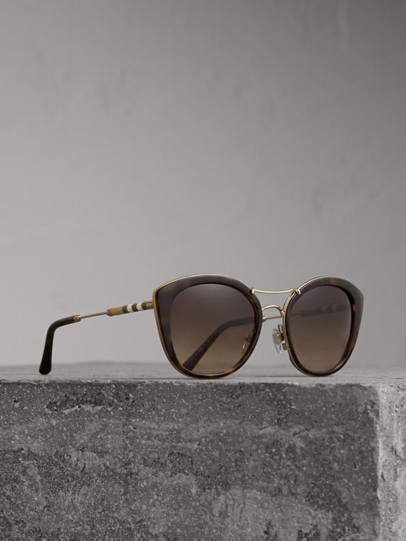Check Detail Round Frame Sunglasses in Dark Brown