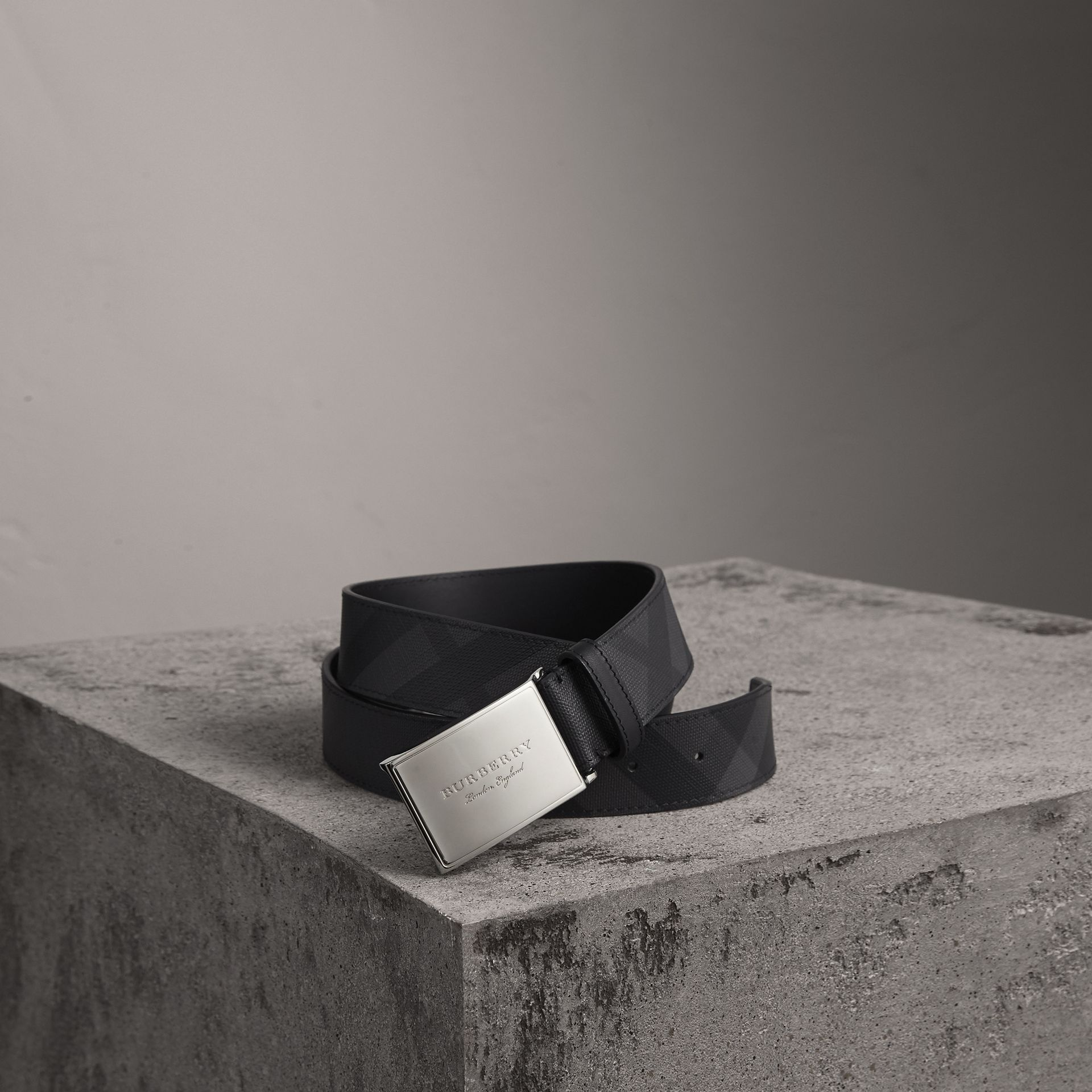 Plaque Buckle London Check  and Leather Belt in Charcoal/black - Men | Burberry United Kingdom - gallery image 0