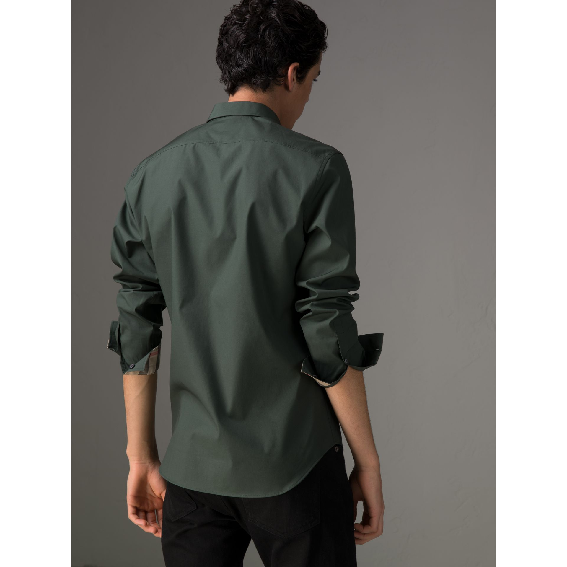 Check Detail Stretch Cotton Poplin Shirt in Dark Forest Green - Men | Burberry - gallery image 2