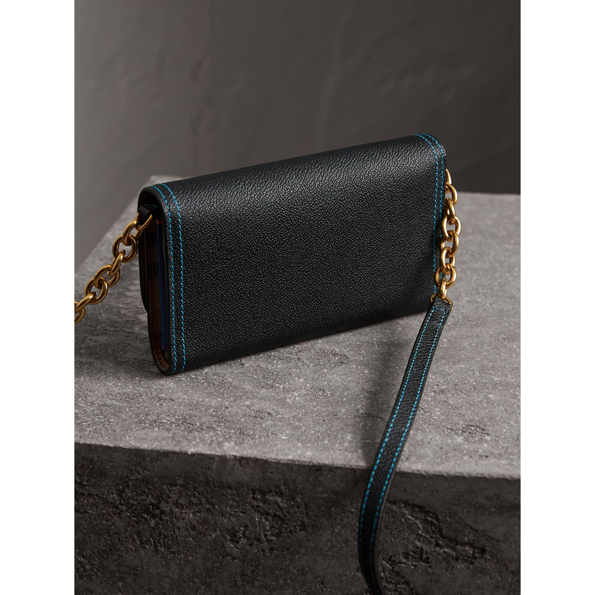 Topstitch Detail Leather Wallet with Detachable Strap in Black/multicolour - Women | Burberry - gallery image 3