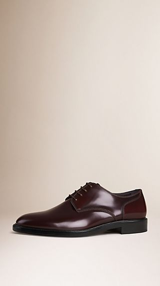 Chaussures de style derby en cuir