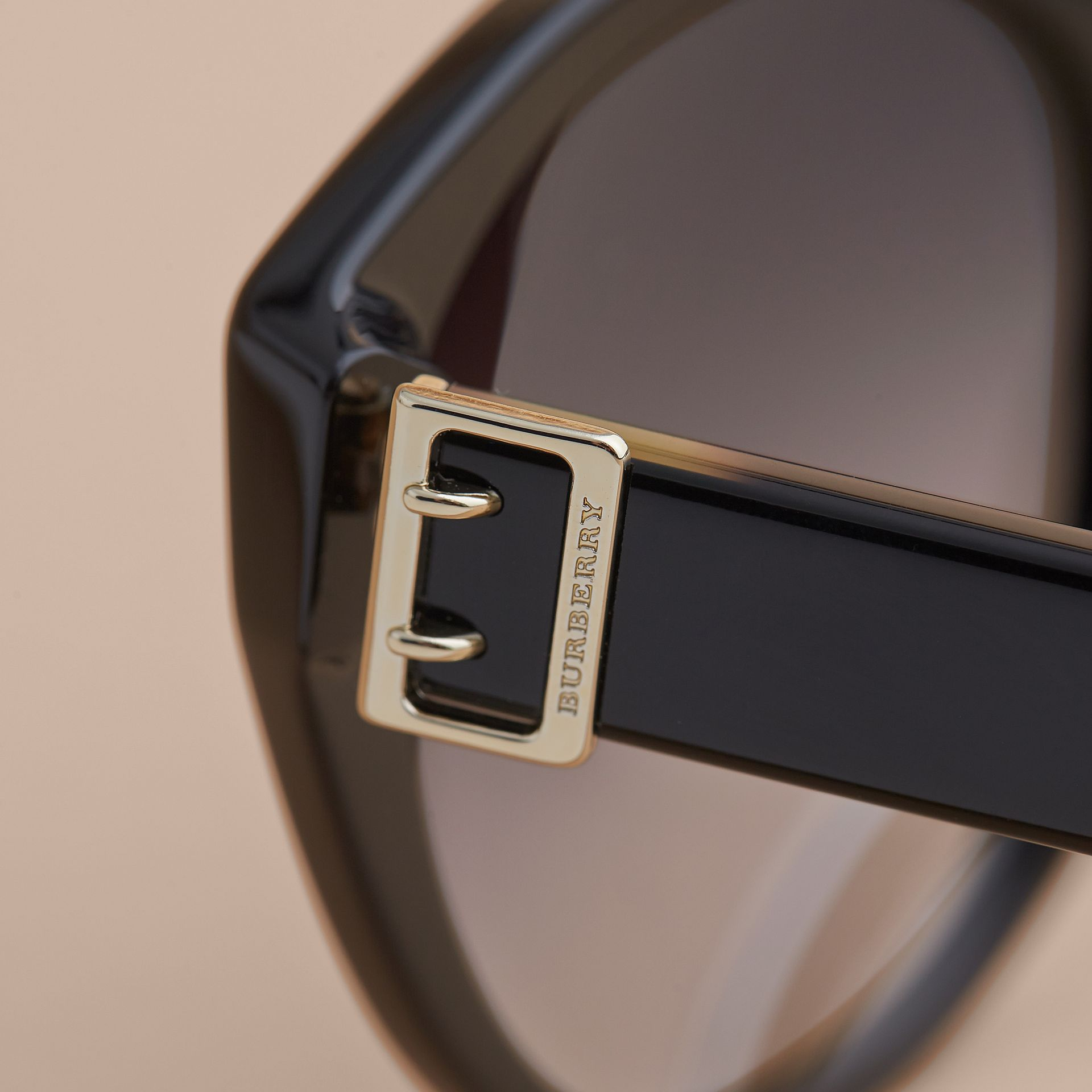 Buckle Detail Round Frame Sunglasses in Black - Women | Burberry Australia - gallery image 2